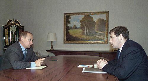 Putin und sein Berater Illarionow im Oktober 2000