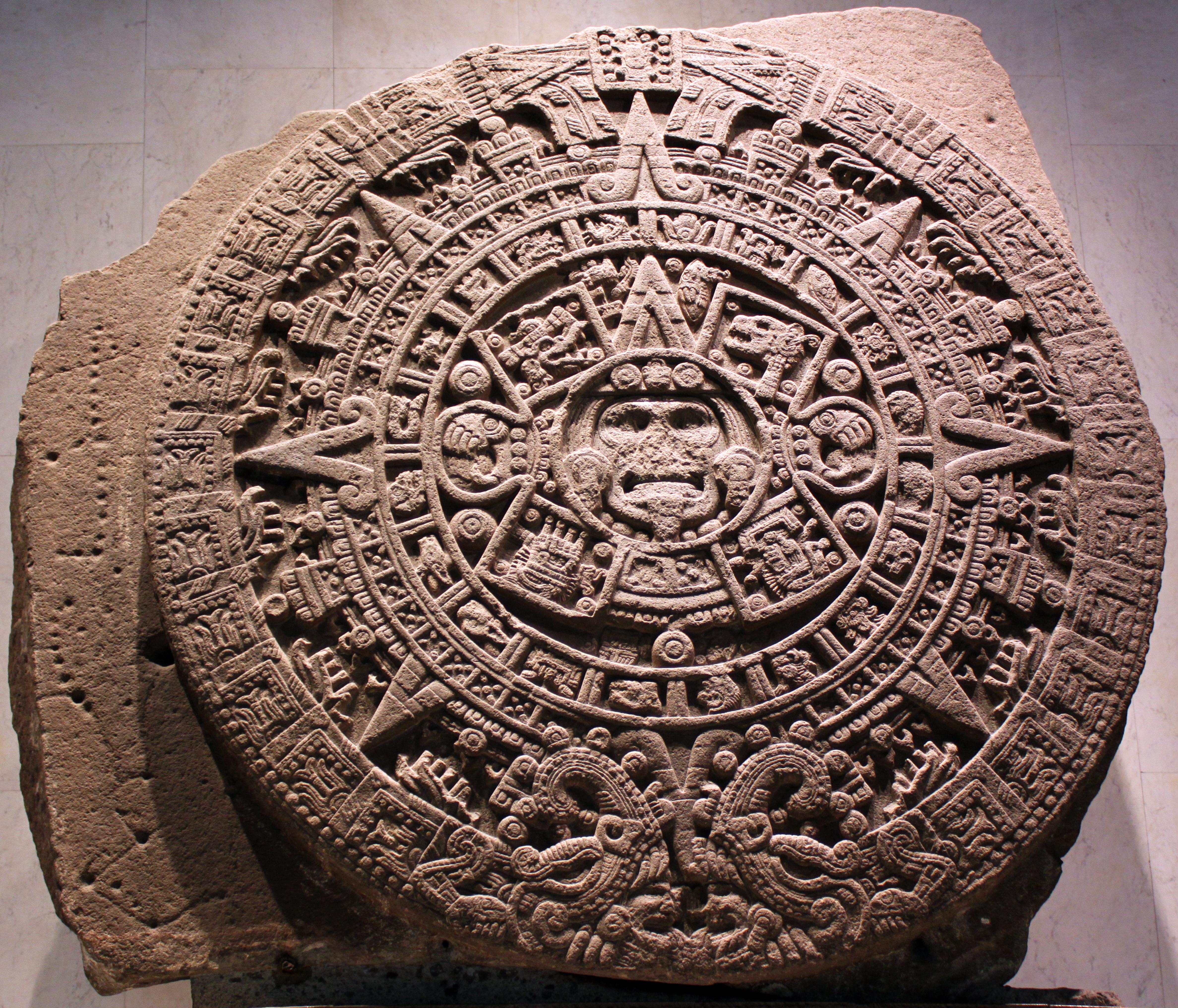 Aztec calendar stone - Wikiwand