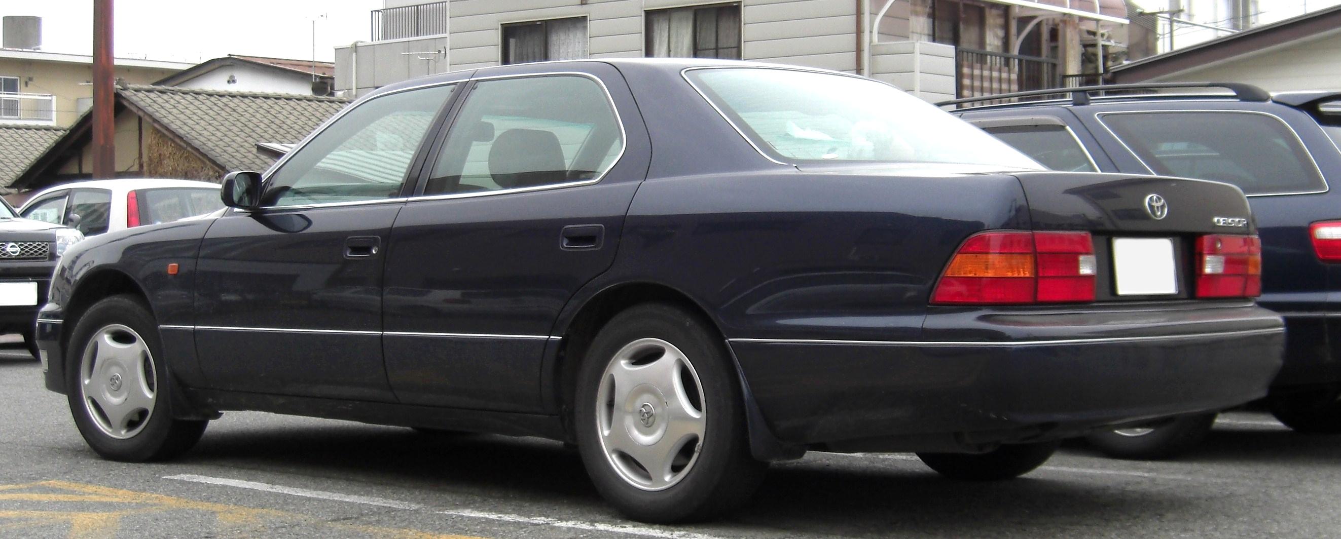 File 1997 2000 Toyota Celsior Rear Jpg Wikimedia Commons