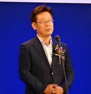 2015 G-RANK KOREA 시상식 (이재명 성남시장).jpg
