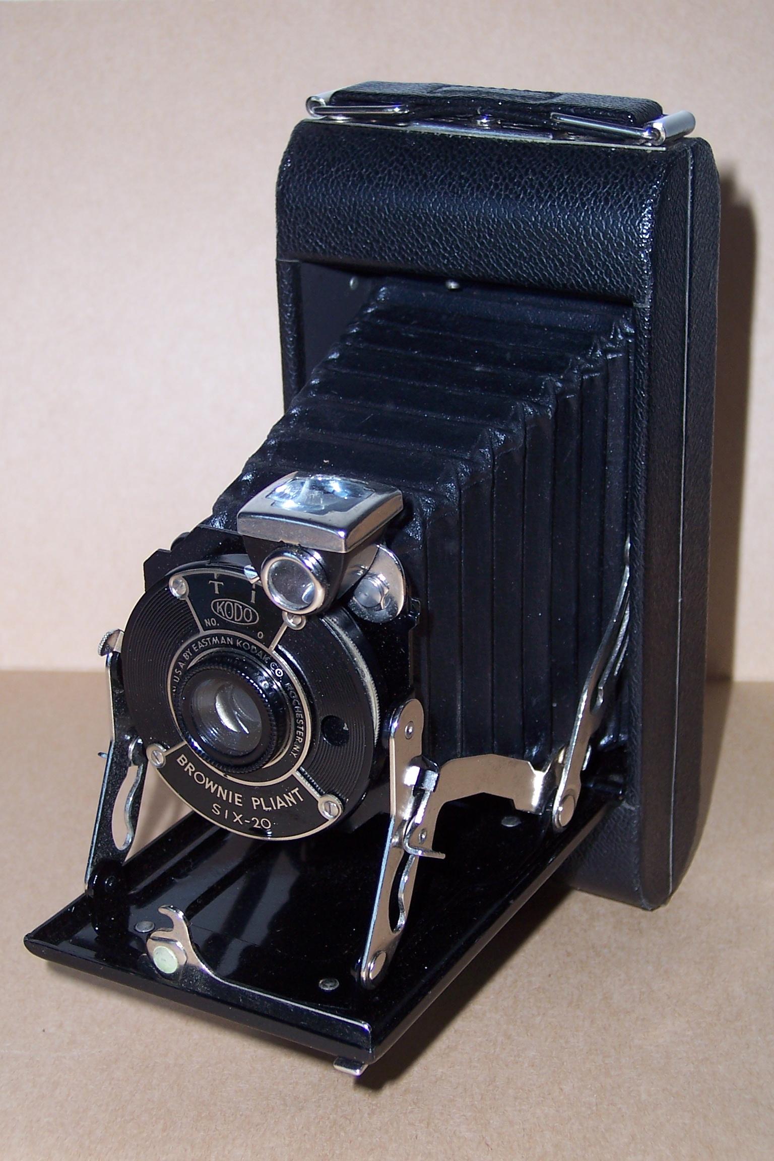 file appareil photo kodak brownie jpg wikimedia commons