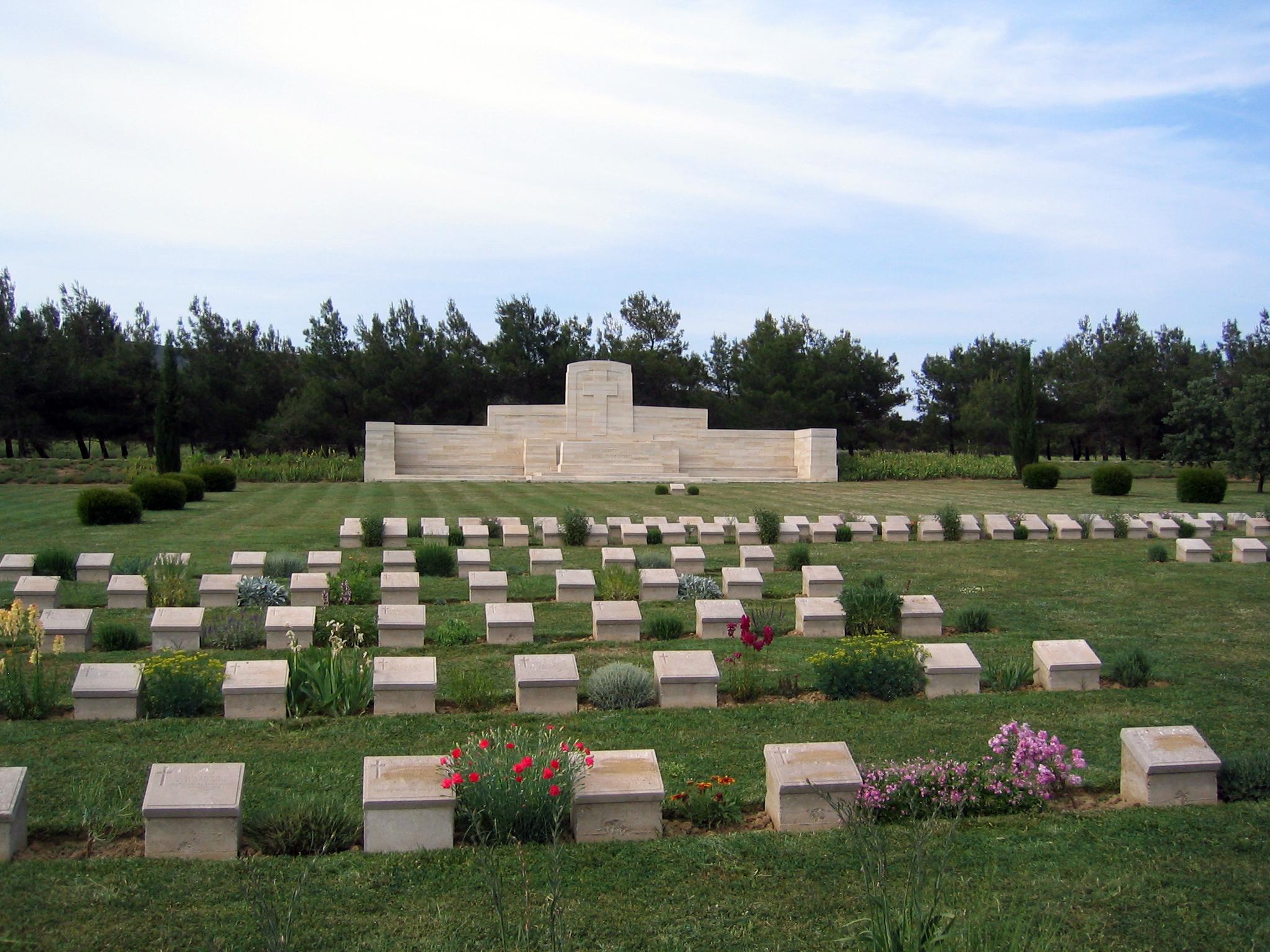 File:Azmak Cemetery, Gallipoli Peninsula.JPG - Wikipedia