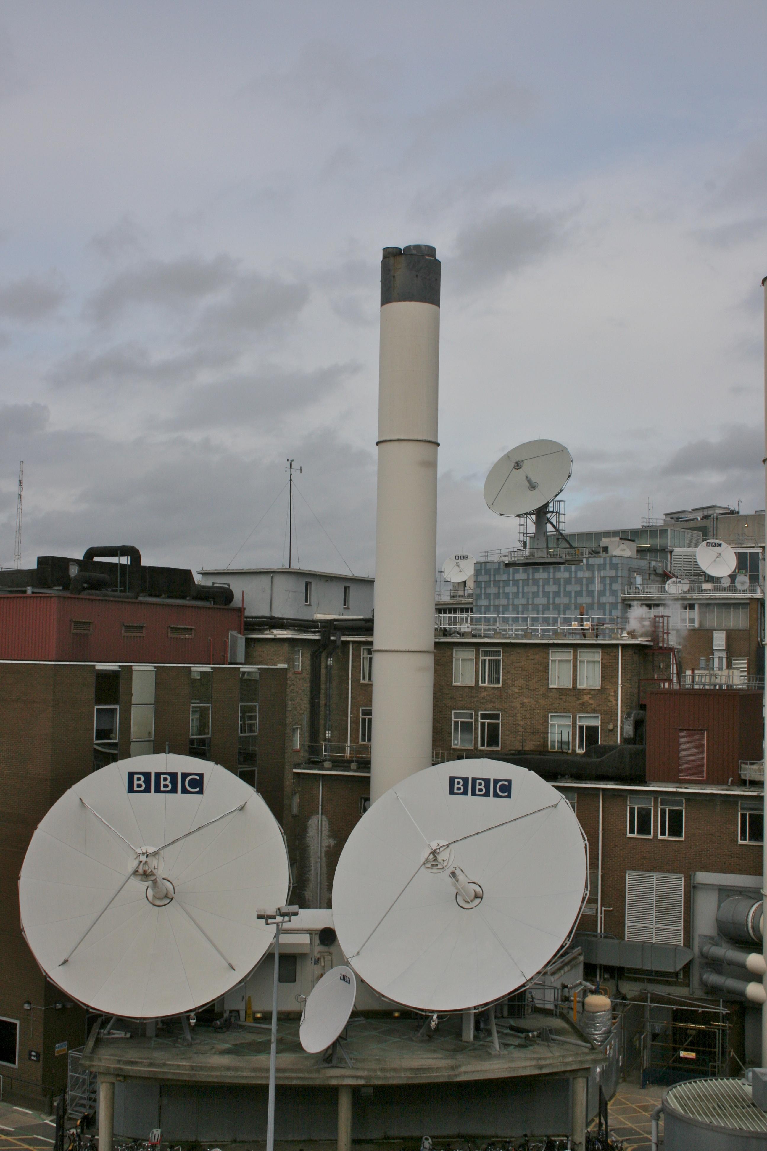 FileBBC Television Centre Satellite Dishes 2