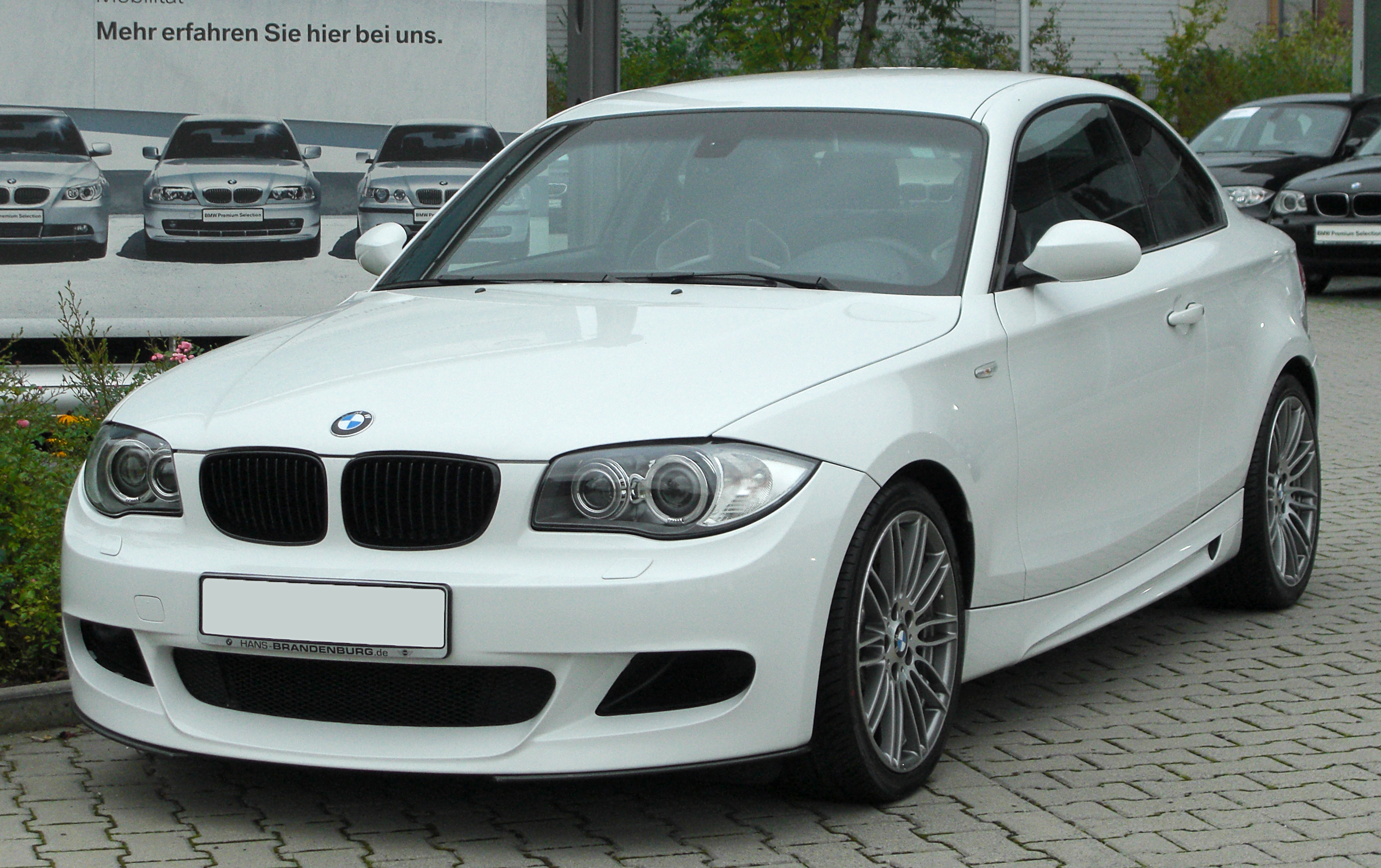Datei Bmw 123d Coup 233 Sportpaket Bmw Performance E82 Front 1 20100914 Jpg Wikipedia
