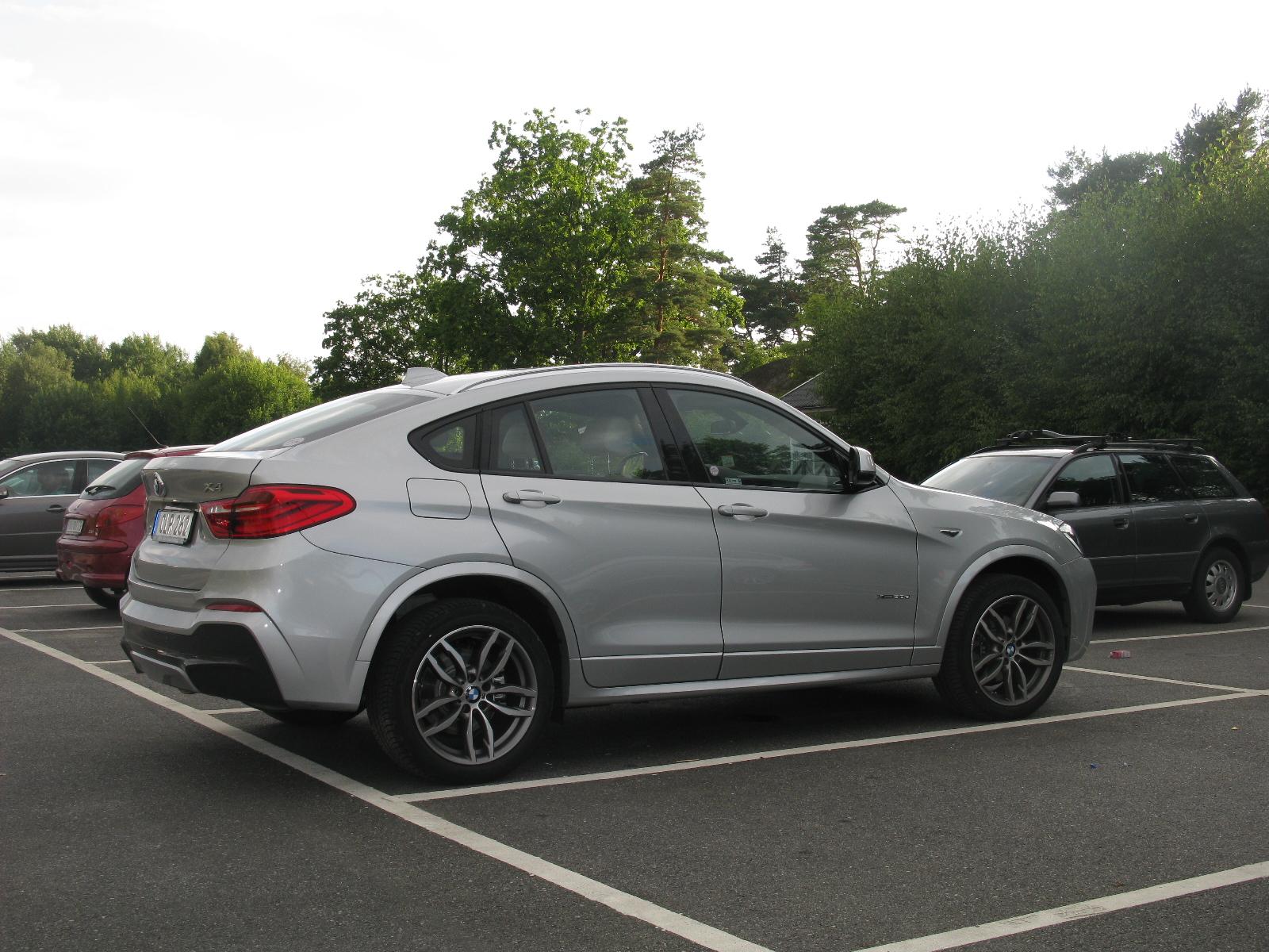 File:BMW X4 2 0d X Drive (14666532218) jpg - Wikimedia Commons