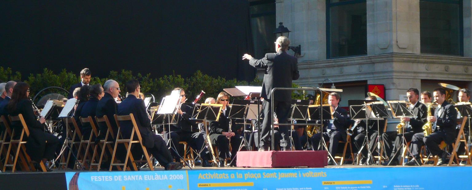 La Banda Municipal de Barcelona, en un concierto en la Plaza de San Jaime por las fiestas de Santa Eulalia del 2008