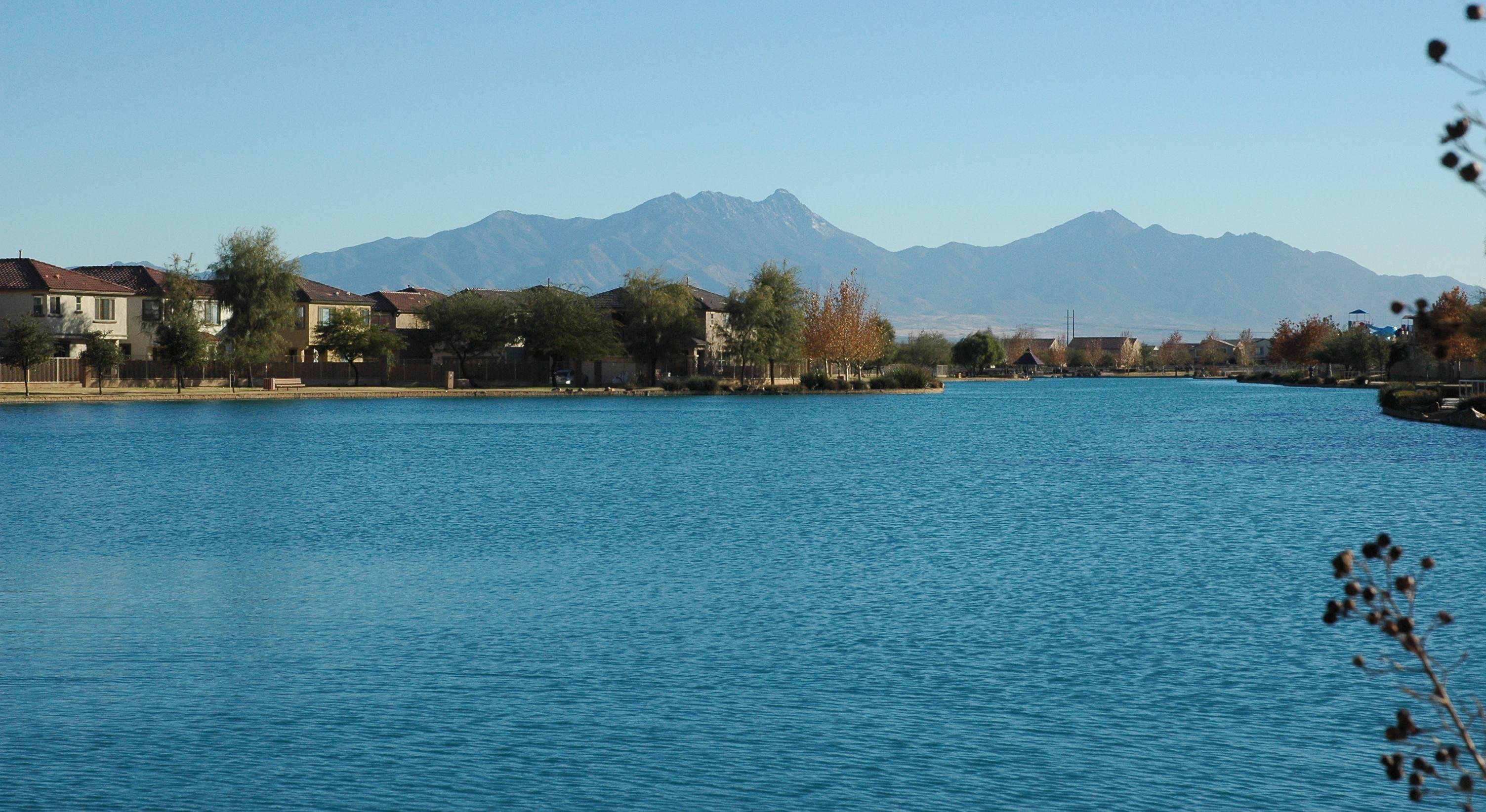 Sahuarita az real estate 346 homes for sale zillow for Green valley lake fishing