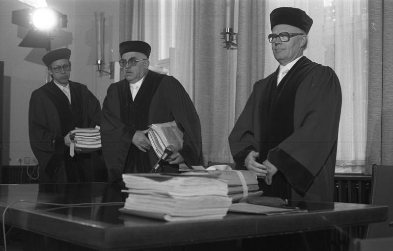 File:Bundesarchiv B 145 Bild-F058390-0012, Kassel, Bundesarbeitsgericht.jpg