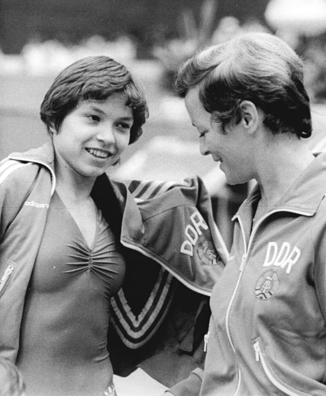 De niña... a mujer Bundesarchiv_Bild_183-1984-0511-025,_Maxi_Gnauck,_Hannelore_Sauer