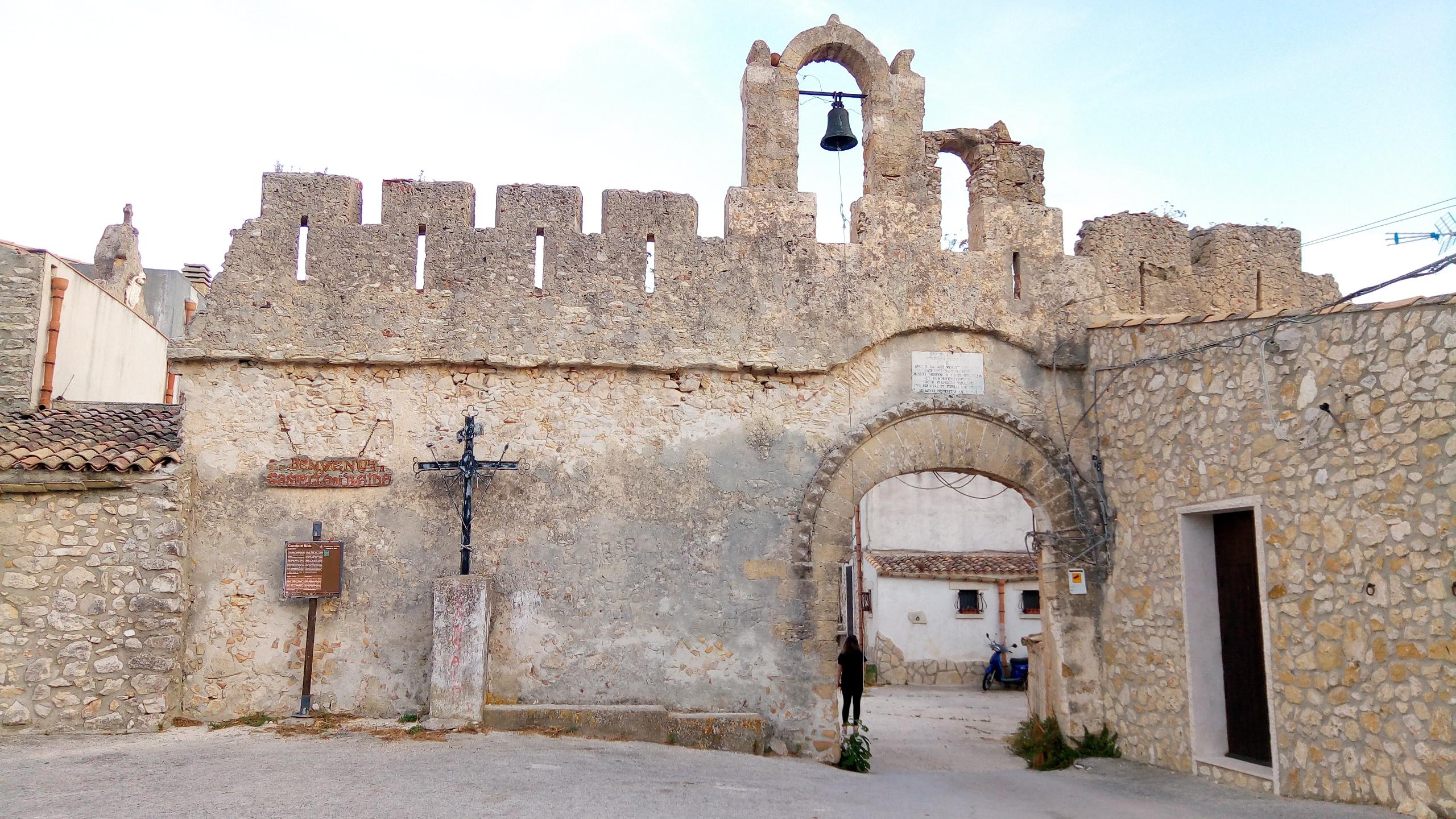 Castello di Baida 01.jpg