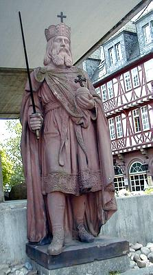 http://upload.wikimedia.org/wikipedia/commons/b/b1/Charlemagne.jpg