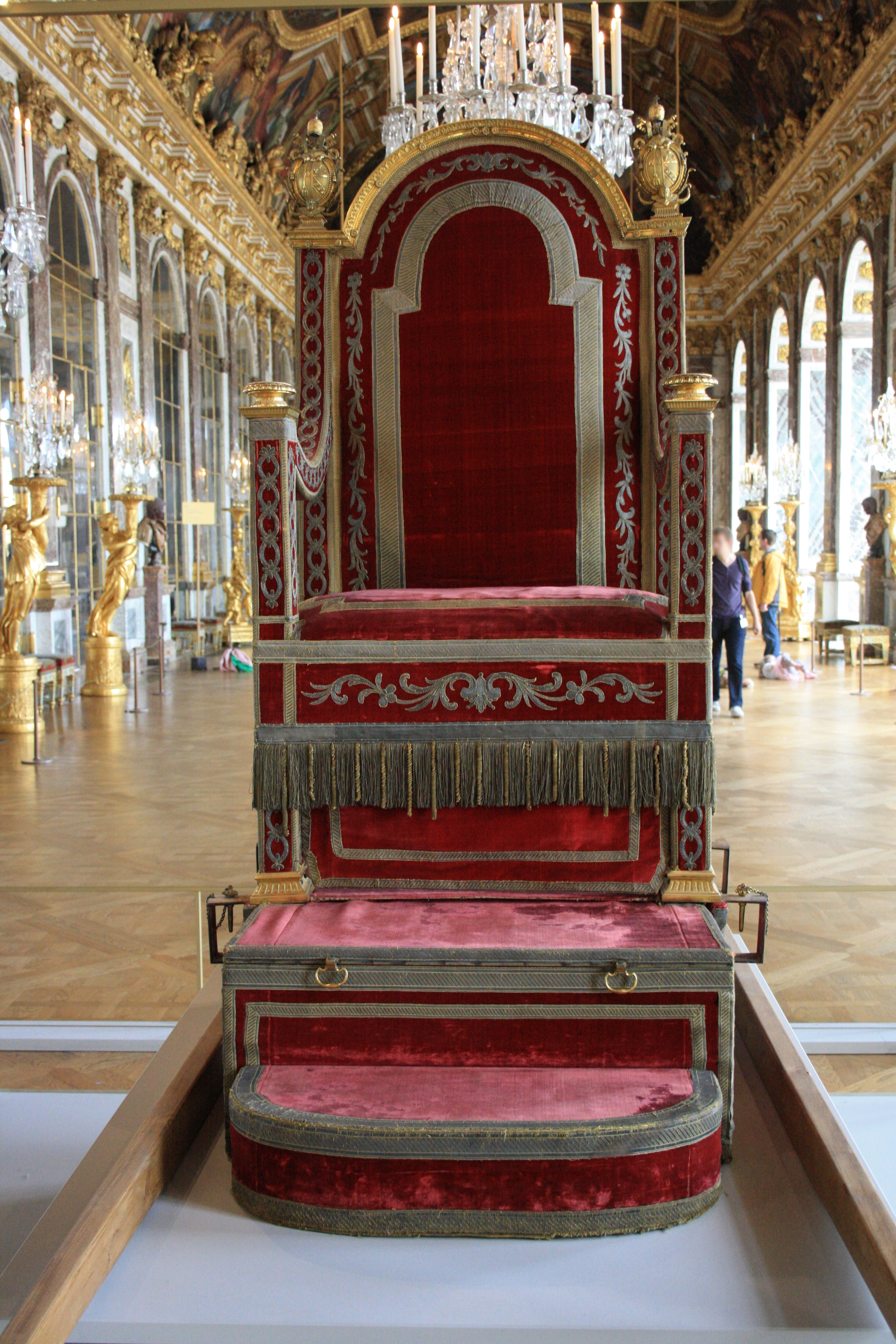 File chateau de versailles sedia gestatoria for Chateau de la chaise