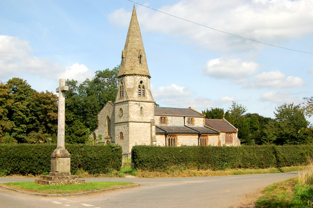 Church of St Peter and war memorial, Bourton-On-Dunsmore