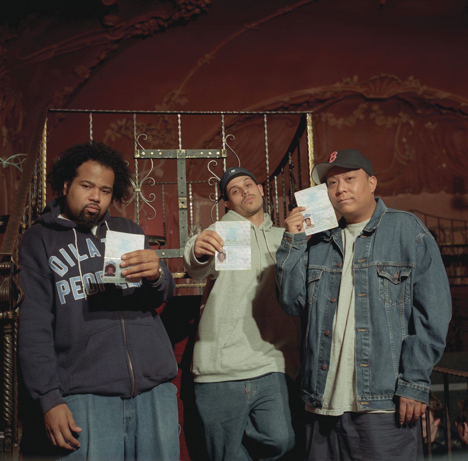 File:Dilated Peoples-mika.jpg - Wikimedia Commons