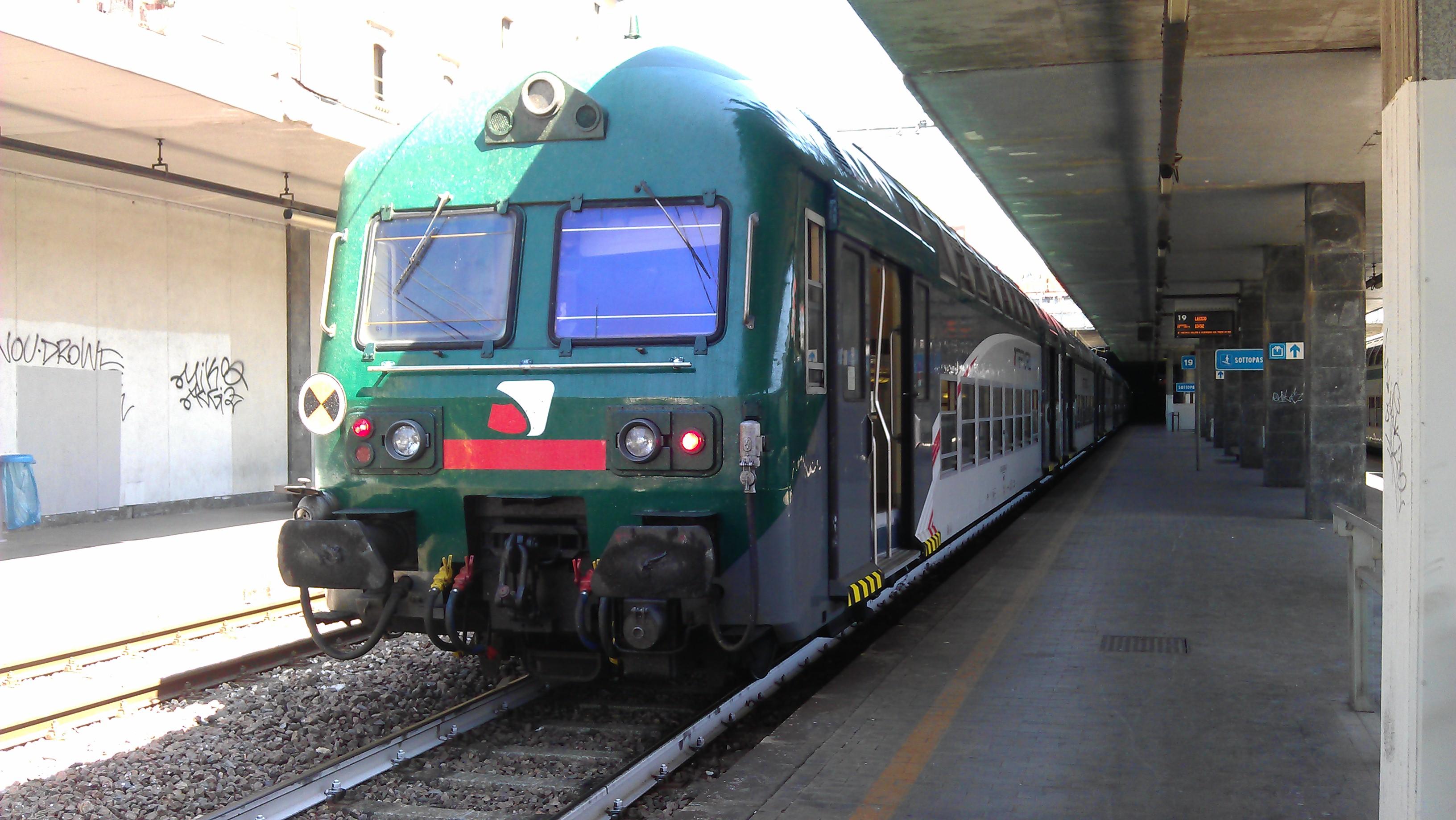 File doppio piano wikimedia commons - Treno milano porta garibaldi bergamo ...