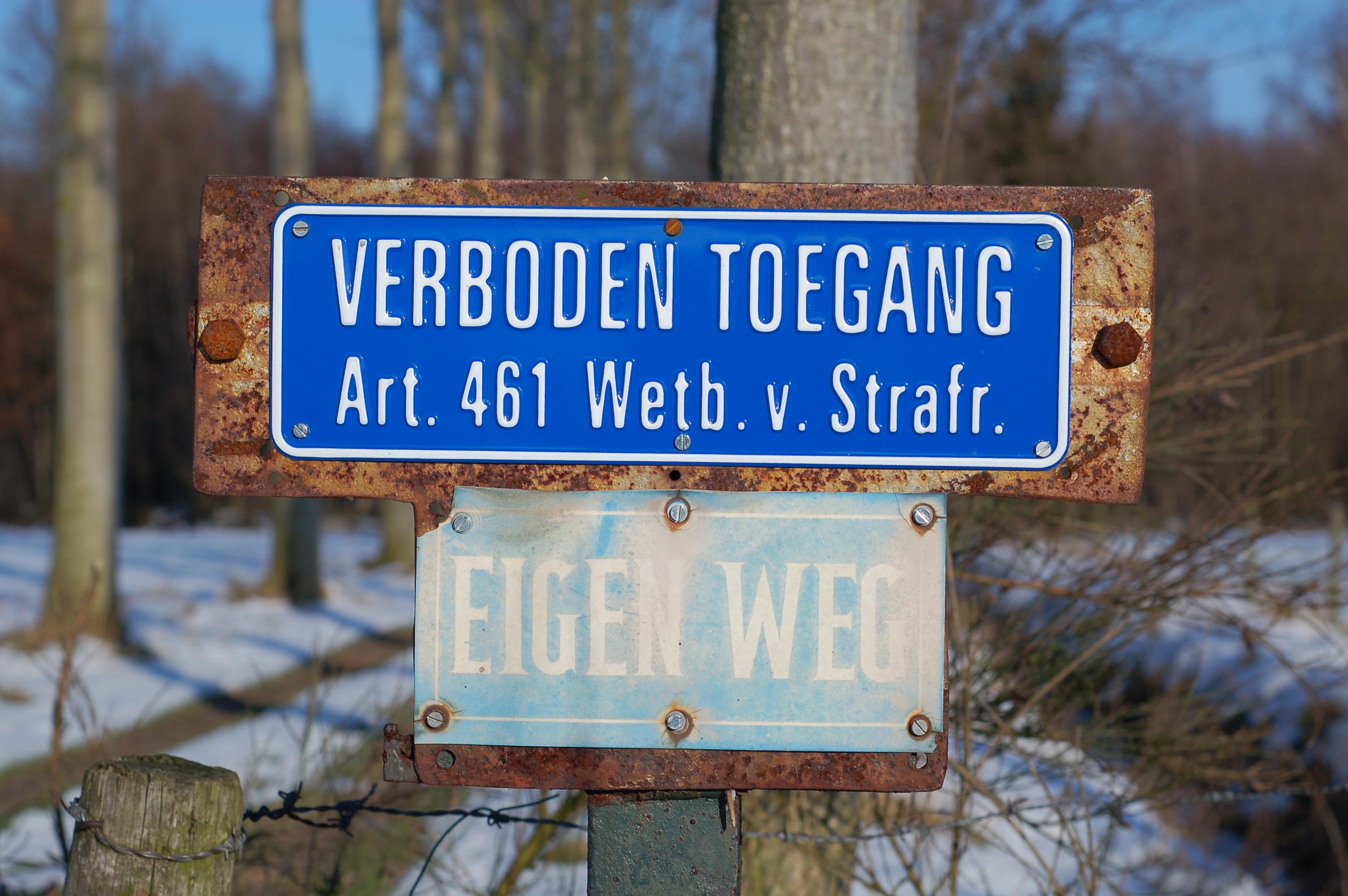 Bestanddutch No Trespassing And Private Road Signjpg Wikipedia