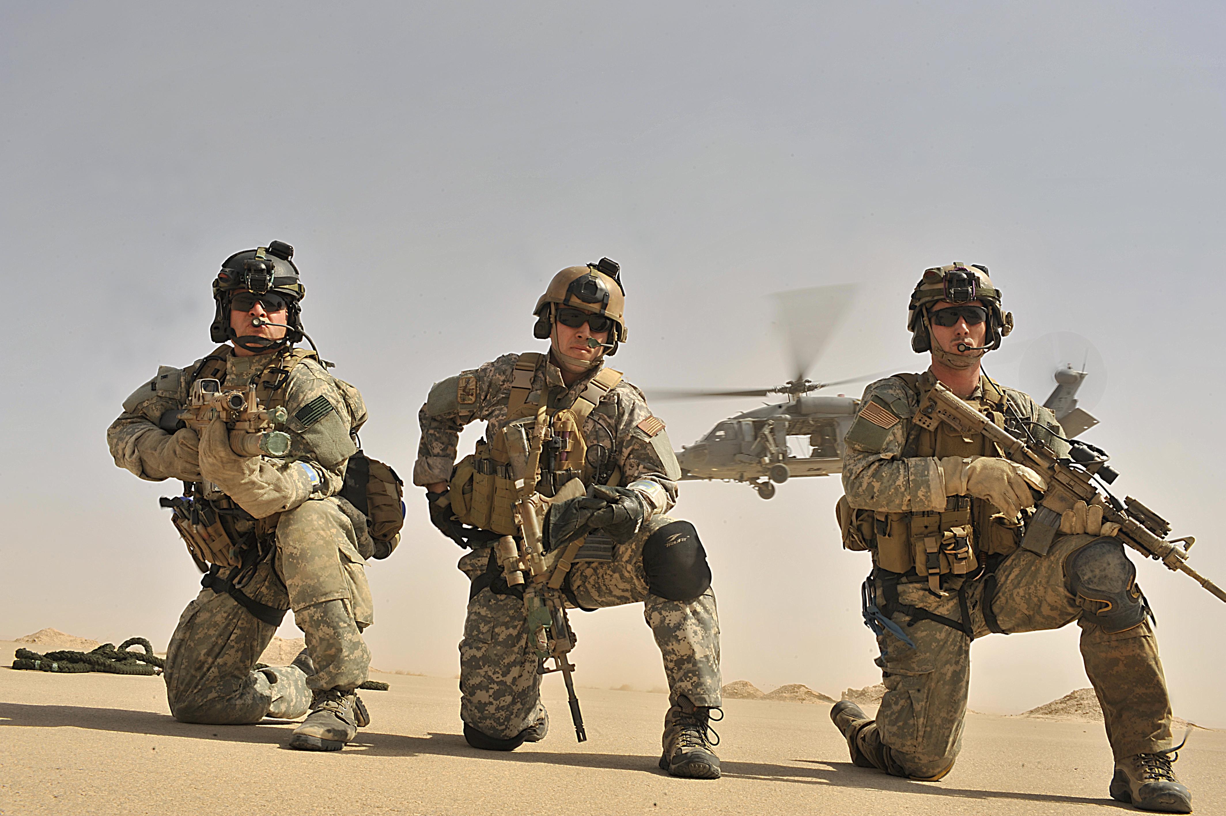 Us Air Force Pararescuemen Corey Farr Right Jeremy Diola