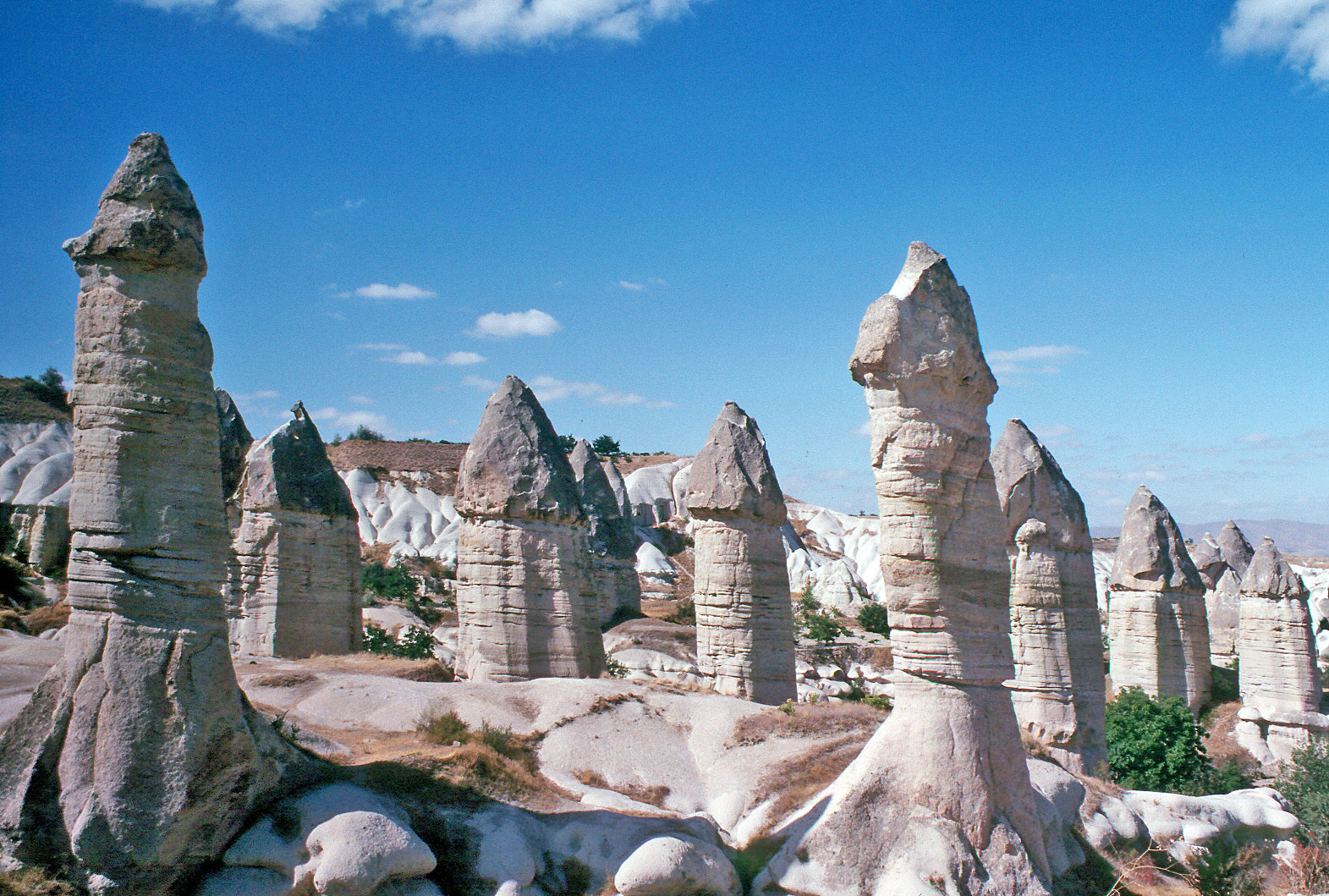 File:Göreme Love Valley.jpg - Wikimedia Commons
