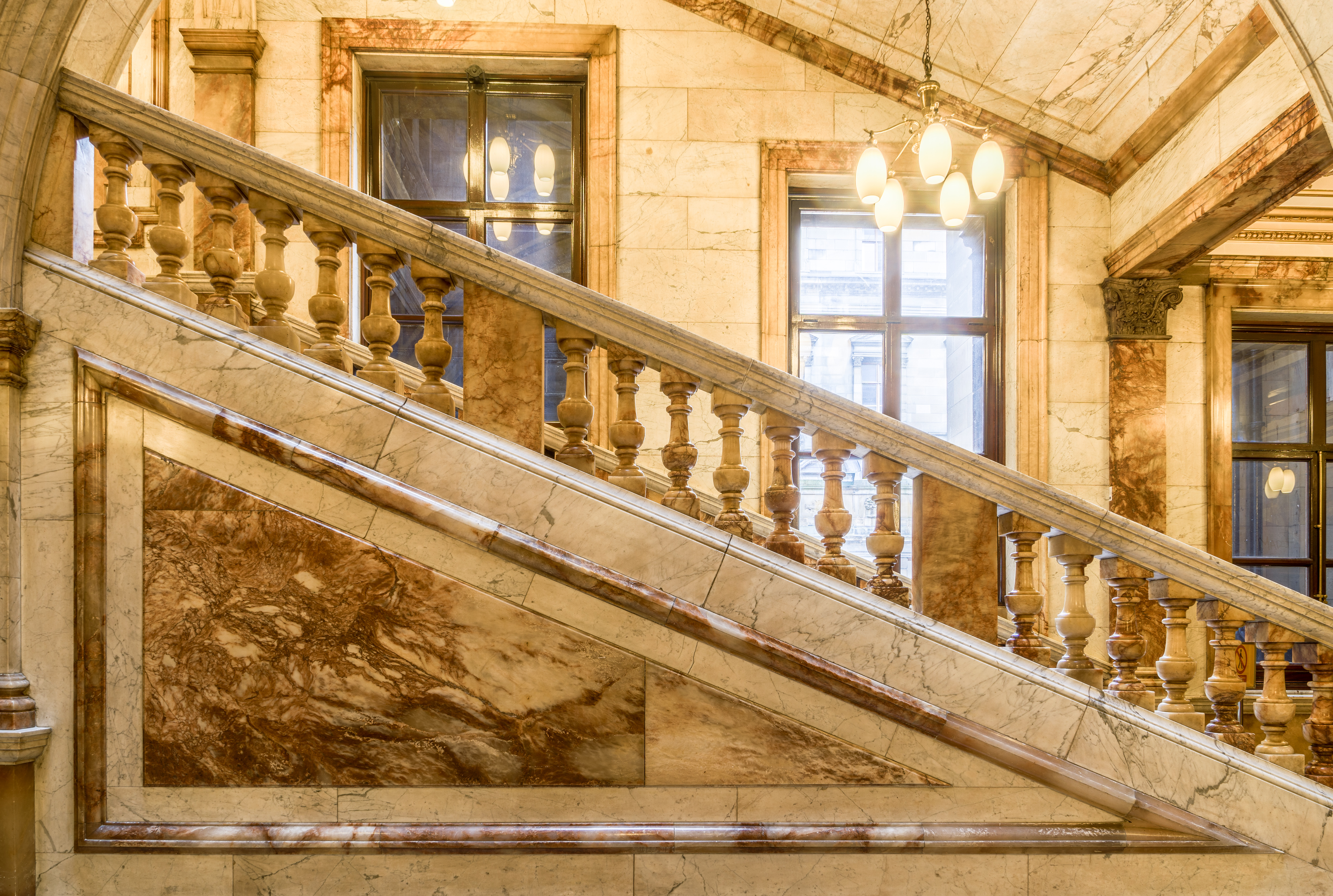 File:Glasgow City Chambers   Carrara Marble Staircase   1