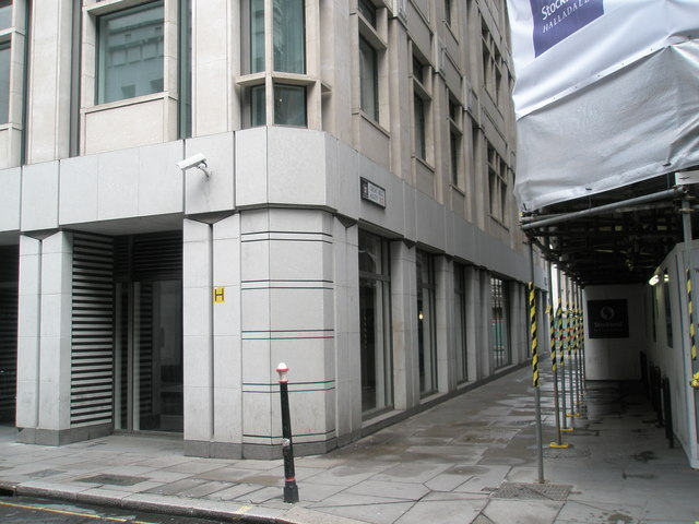 File:Great Bell Alley - geograph.org.uk - 767148.jpg