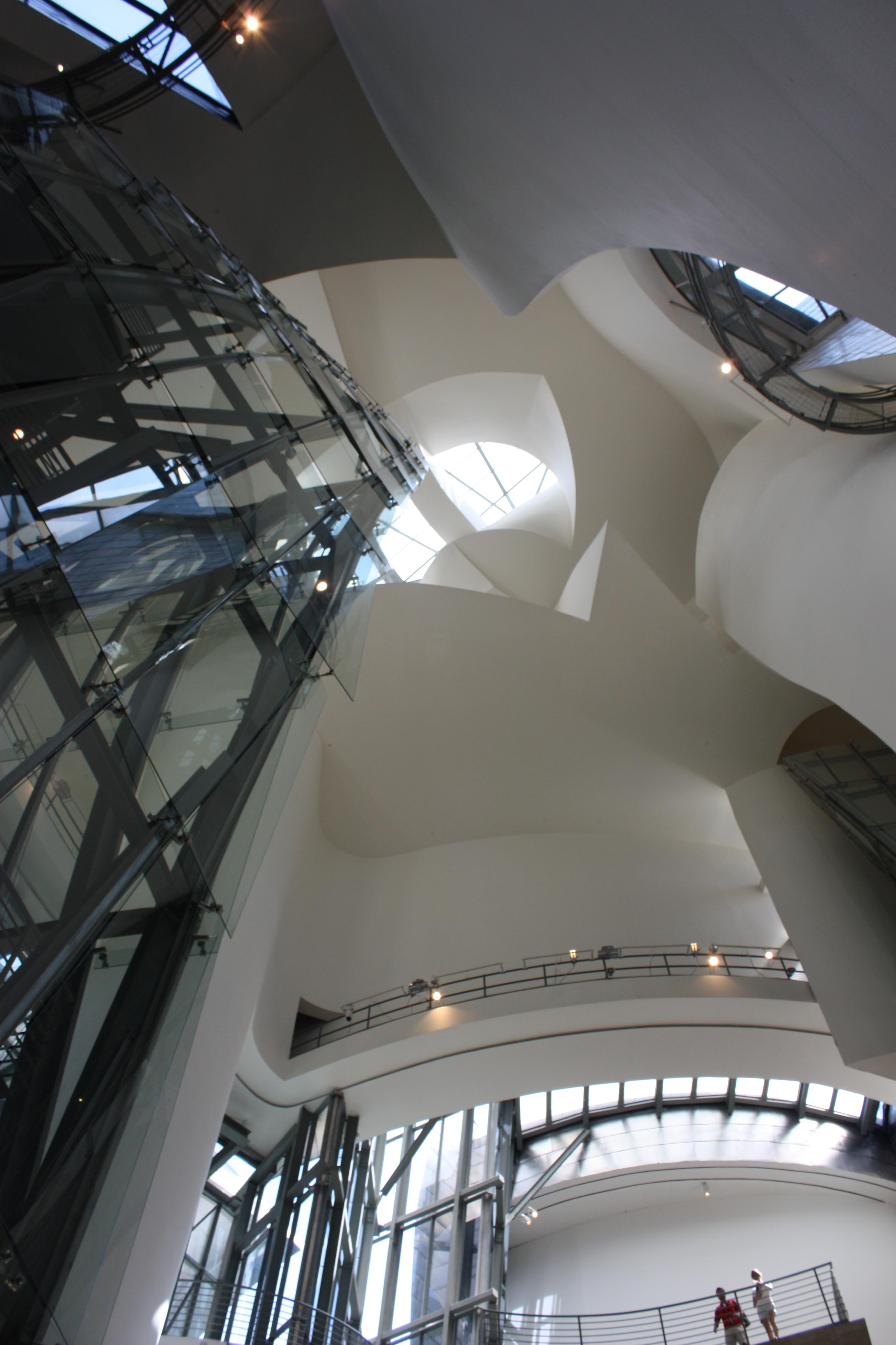 File Guggenheim Museum Interior Bilbao July 2010 03 Jpg Wikimedia Commons