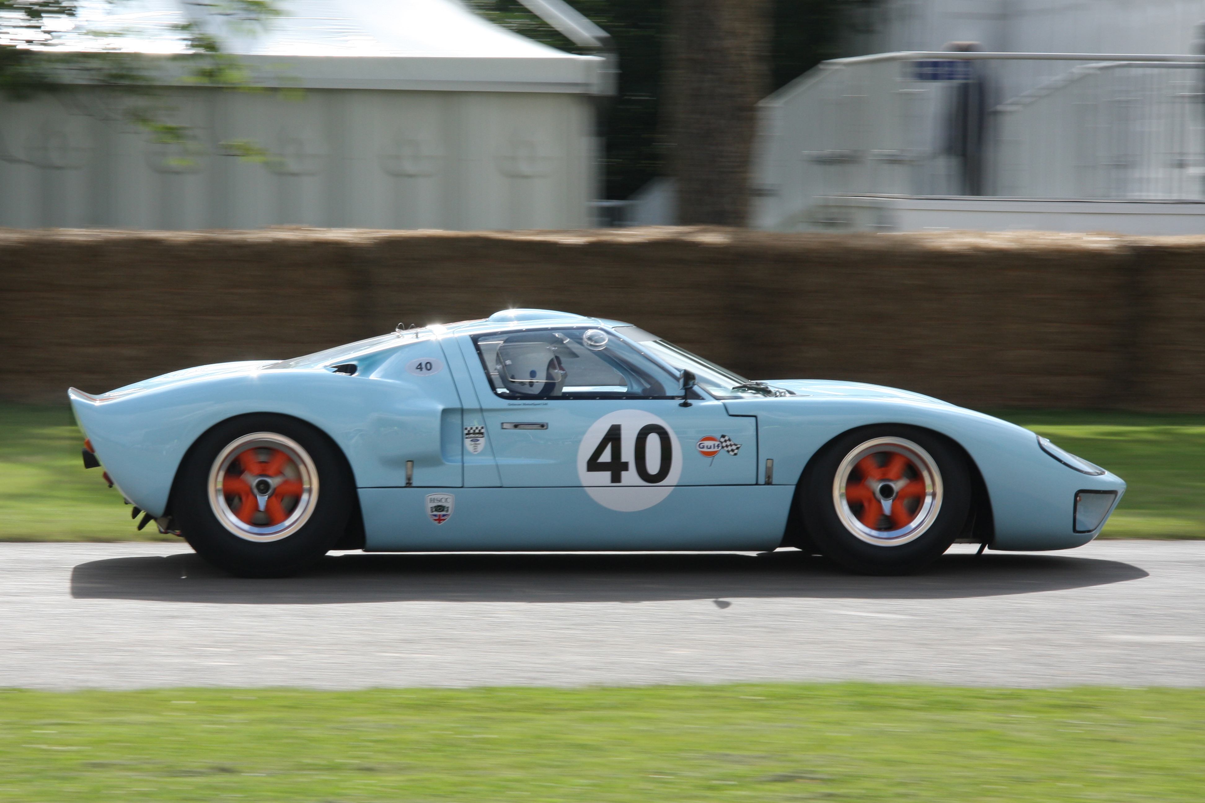 Gulf_Ford_GT40_Goodwood.jpg