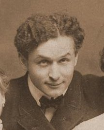 Harry Houdini portrait.jpg