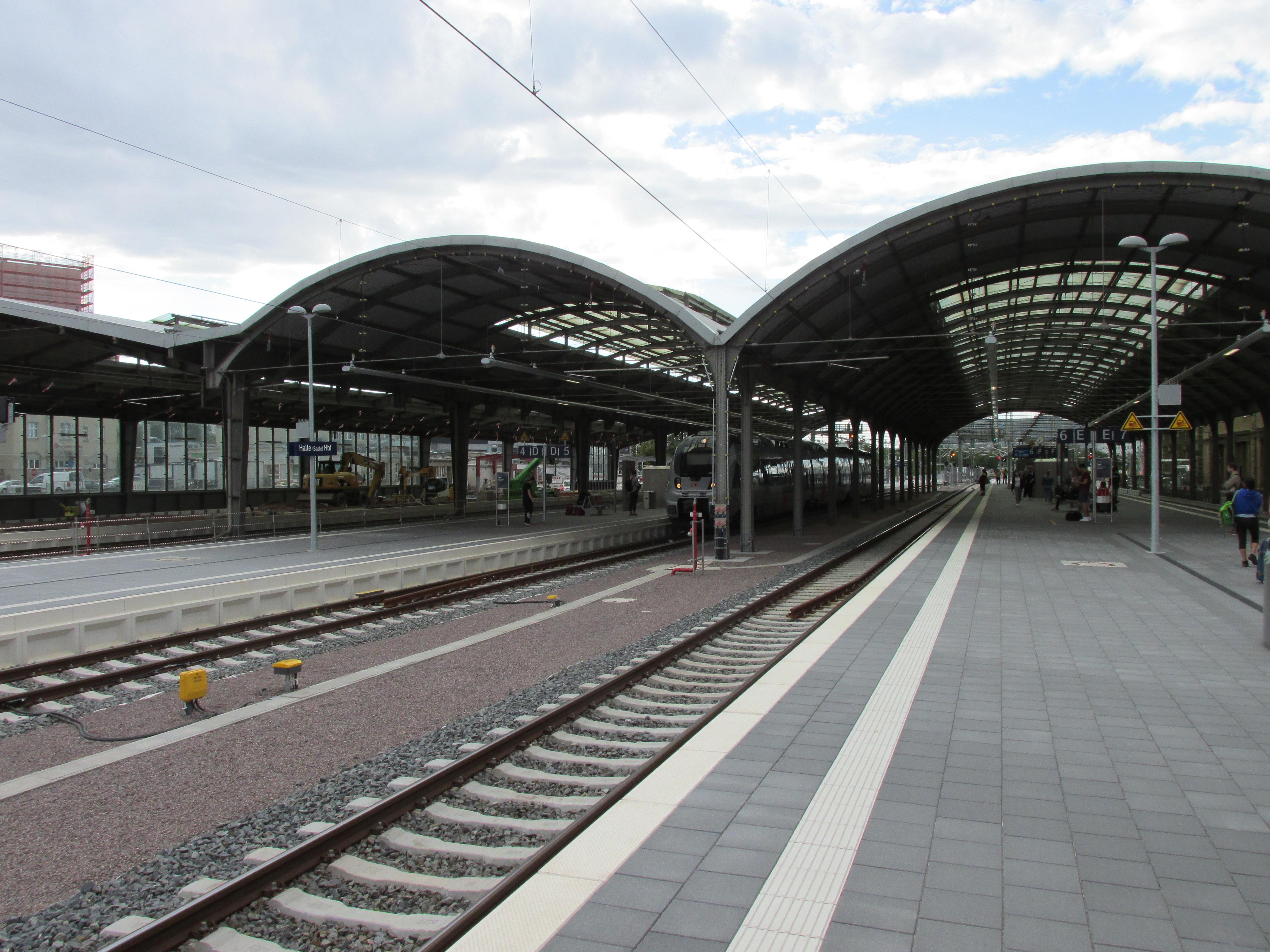 Hauptbahnhof, 3, Gebiet der DR, Ost, Halle (Saale).jpg