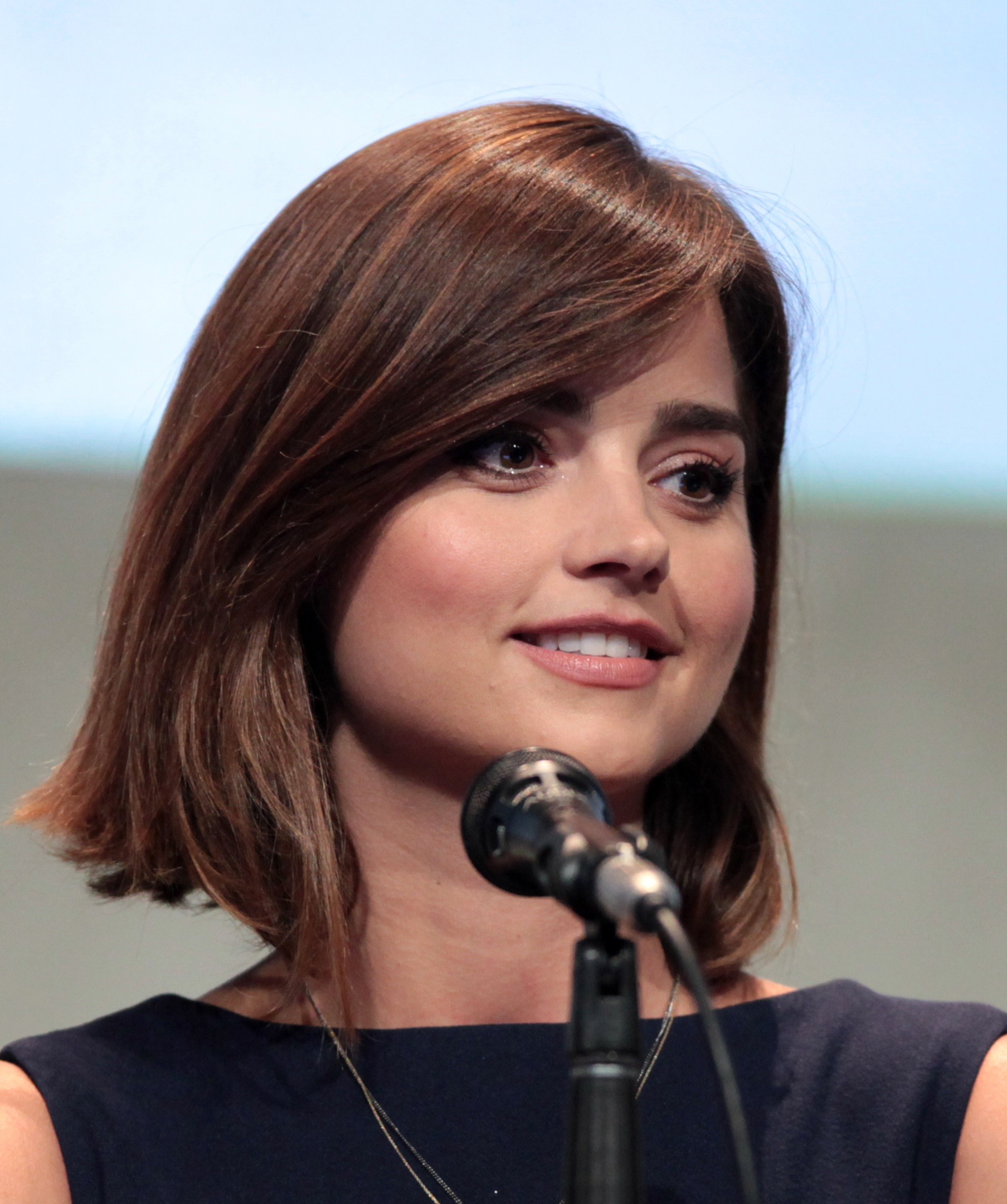 Jenna Coleman earned a  million dollar salary, leaving the net worth at 1 million in 2017