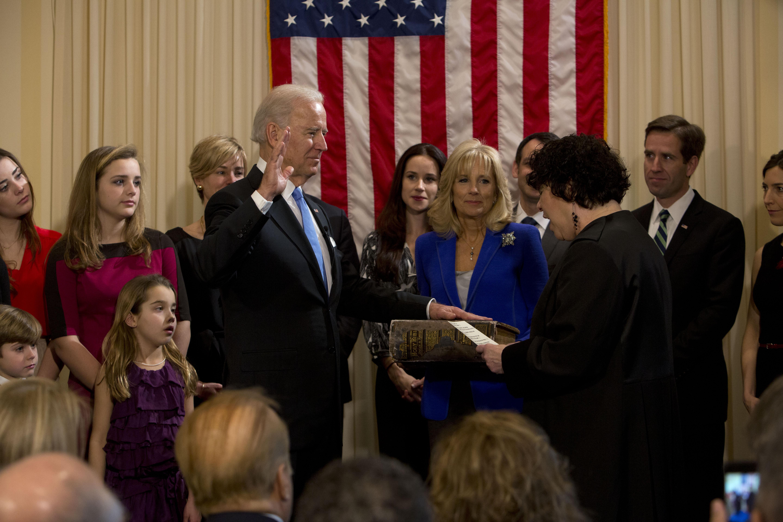Joe Biden sworn in as Vice President in 2013.jpg