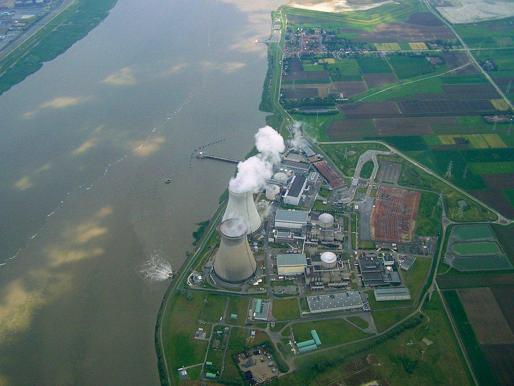 Luftbild des Kernkraftwerks Doel-3