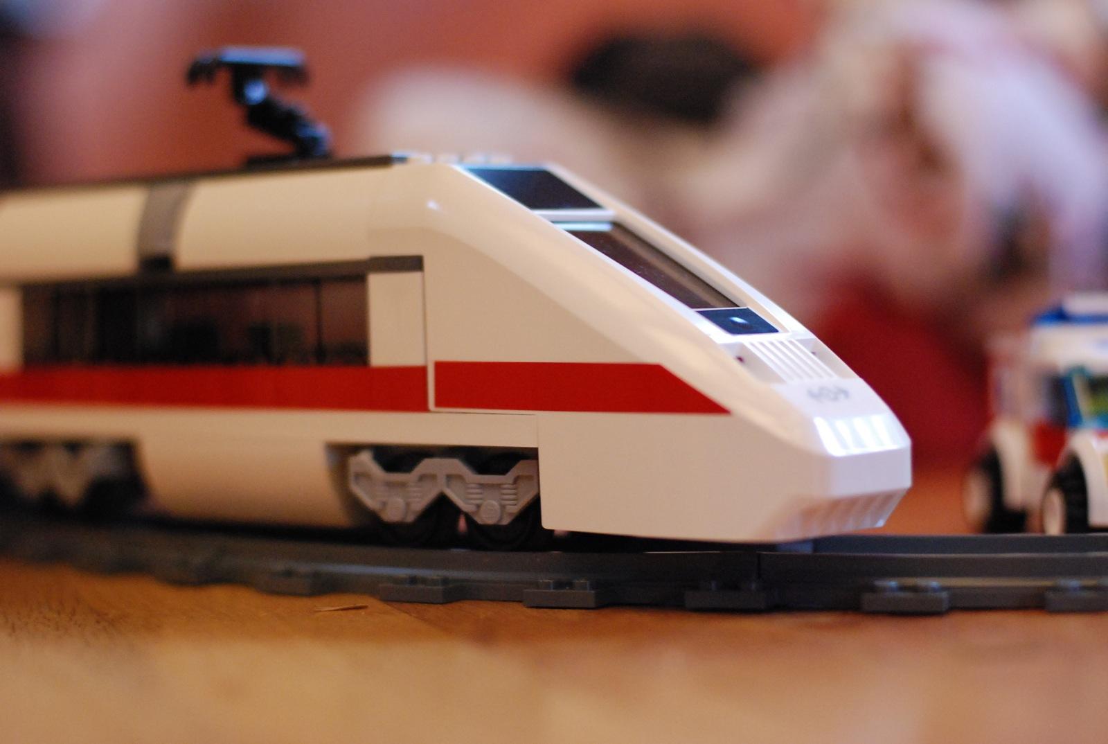 filelego 7897 city passenger train 2006 1jpg