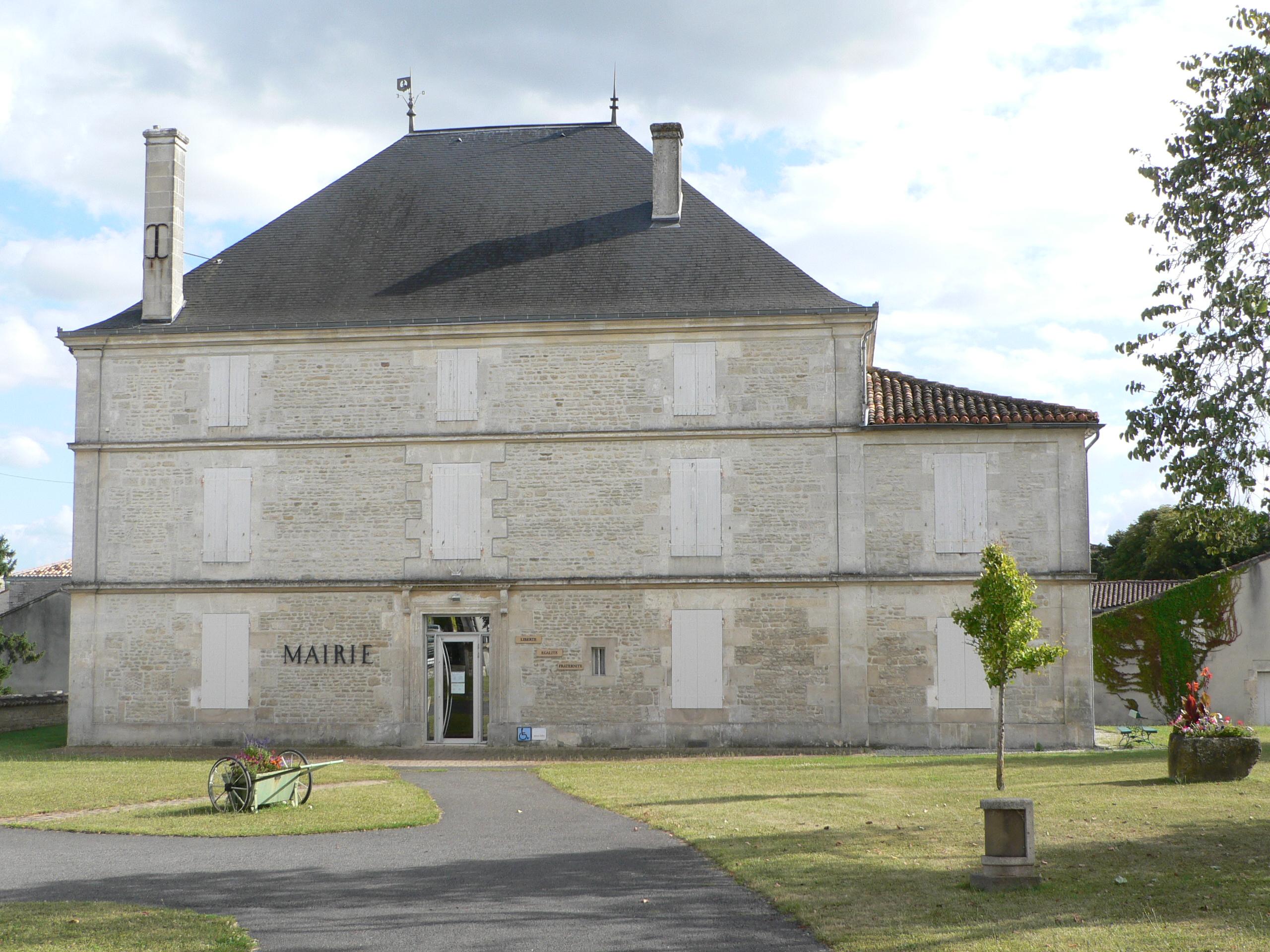 La mairie d'Hiersac