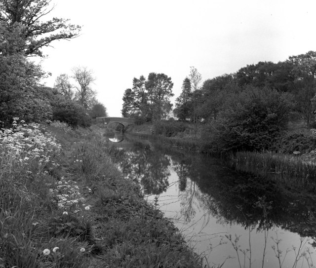 Milkhouse Water Bridge, Kennet and Avon Canal - geograph.org.uk - 415665
