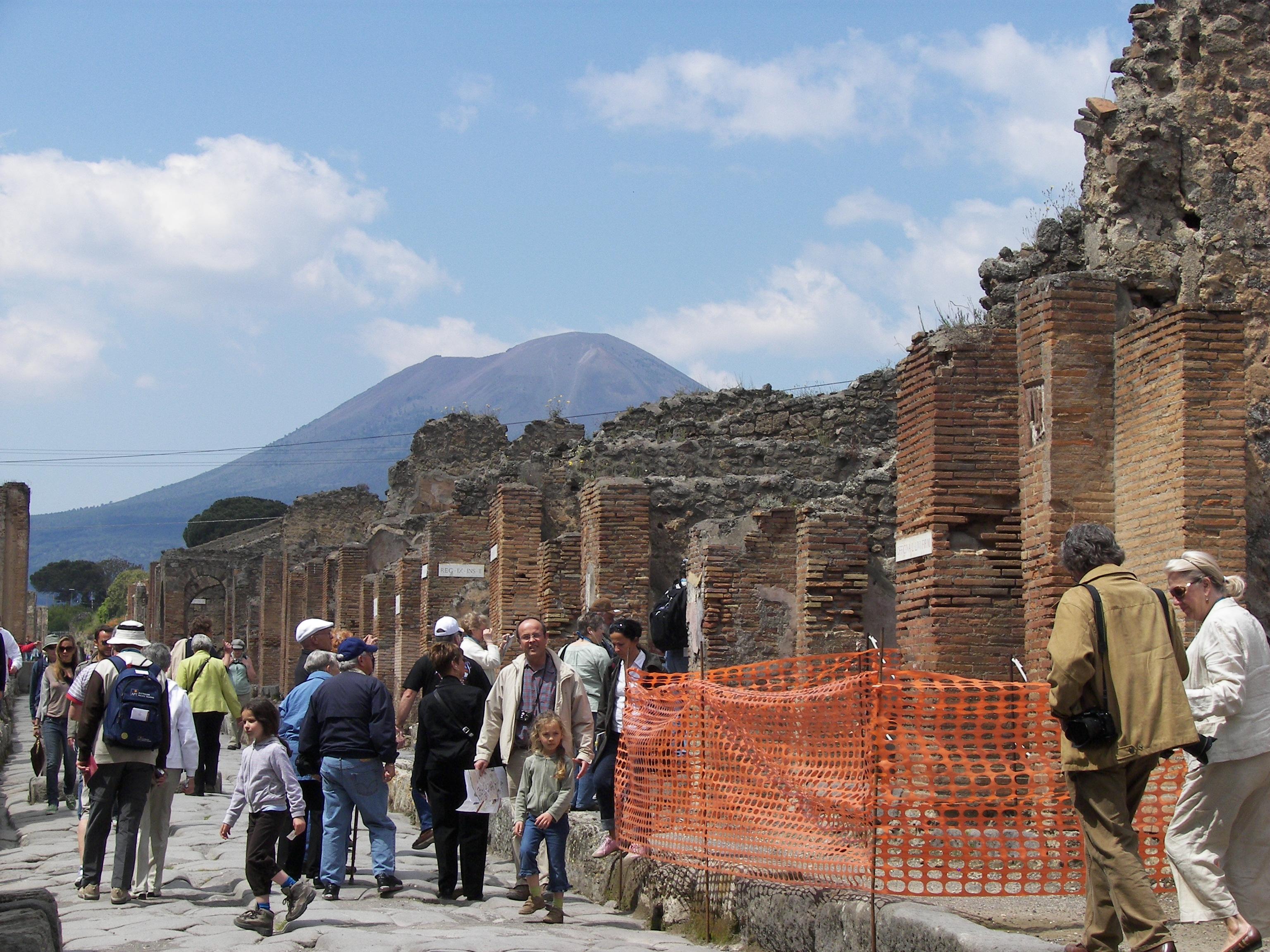 Pompeii And Vesuvius Tour From Rome
