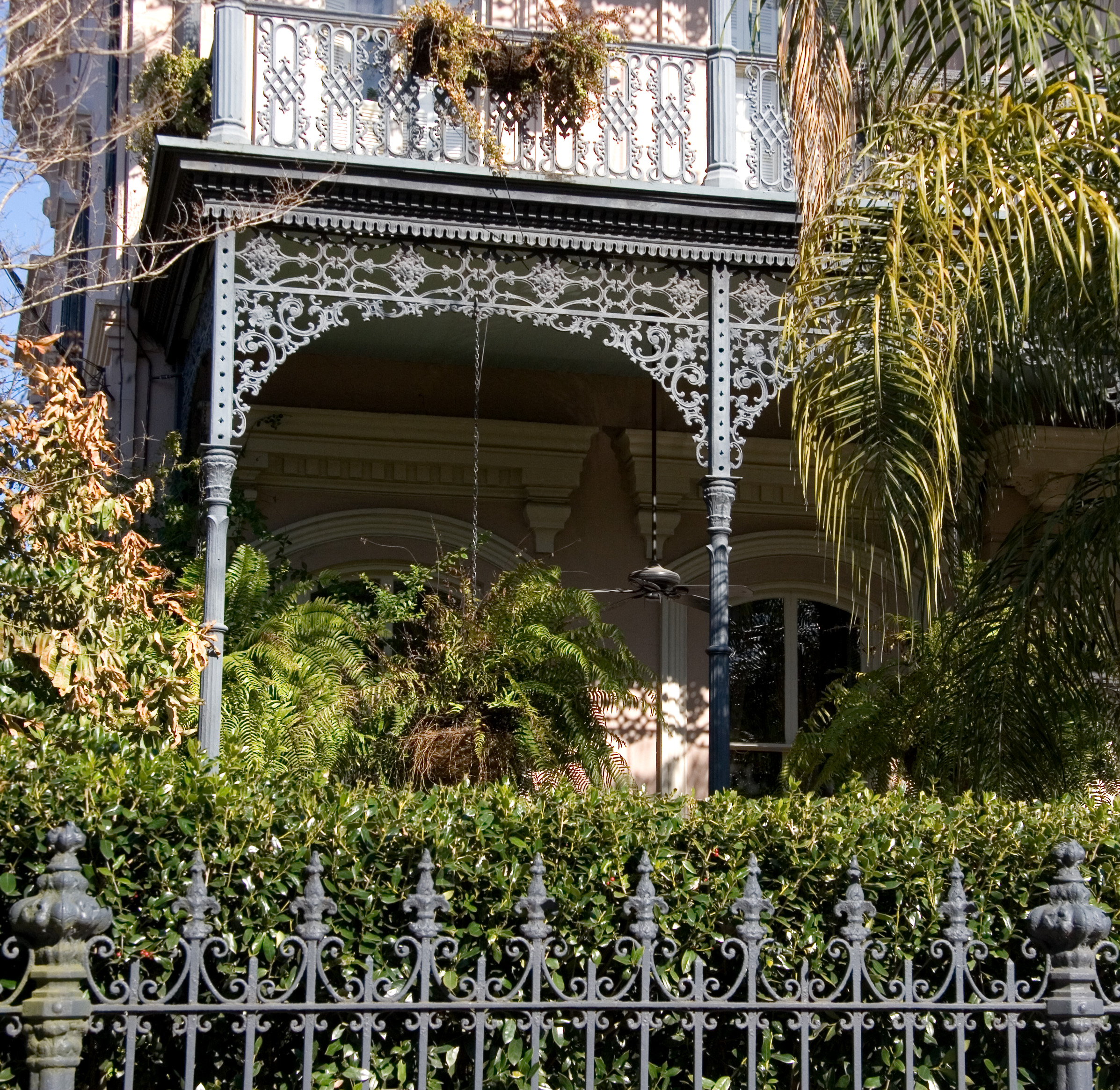File:New Orleans Garden District (2304285507).jpg - Wikimedia Commons