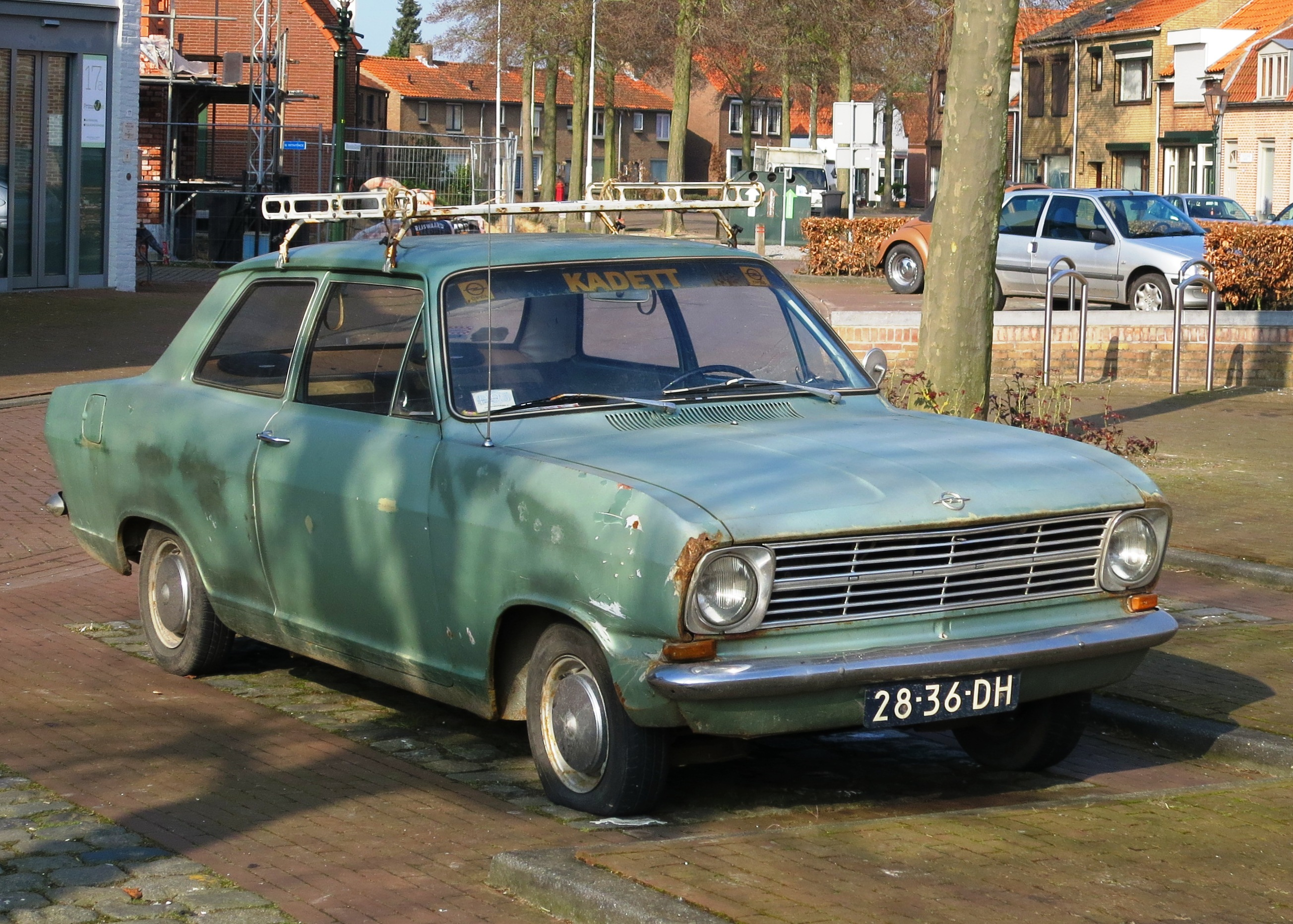 file opel kadett b 2 door berline in aardenburg car ca 1972 photo 2015 jpg wikimedia commons. Black Bedroom Furniture Sets. Home Design Ideas
