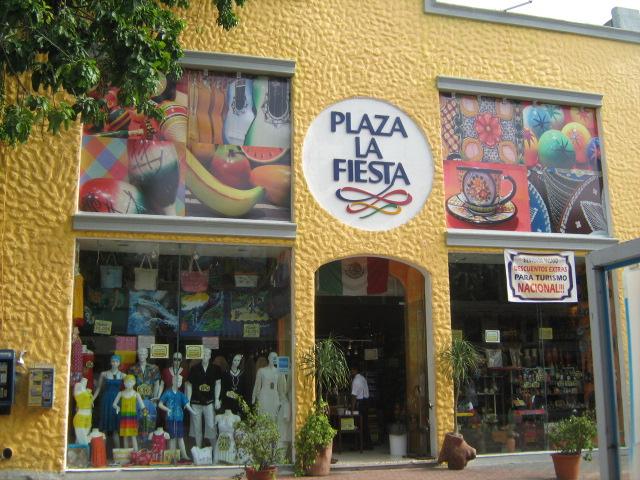File Plaza La Fiesta f27e087e936