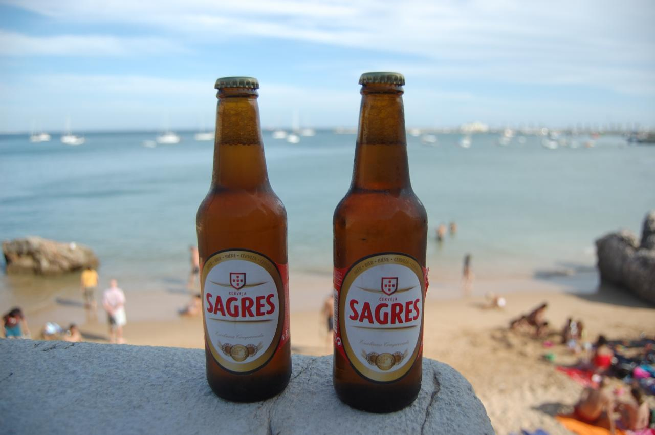 Sagres_Beer_in_Cascais_Beach_%283799770001%29.jpg