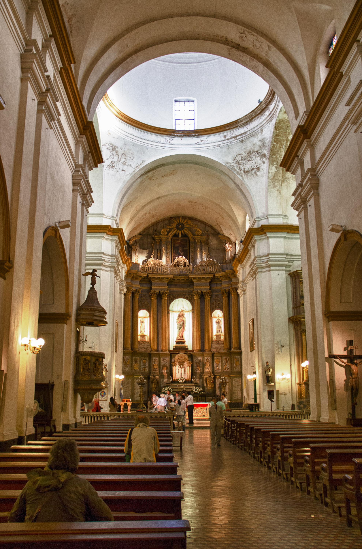 File:San Pedro Telmo, Interior en HDR.jpg - Wikimedia Commons
