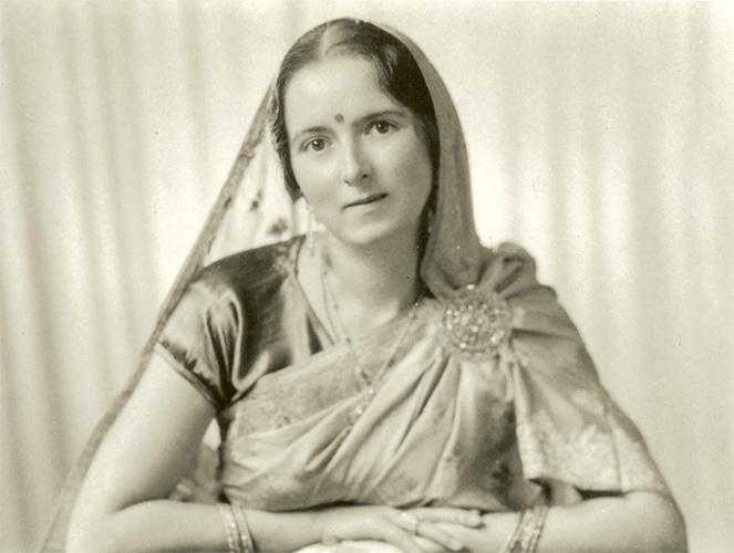 Savitri Devi, circa 1937.jpg