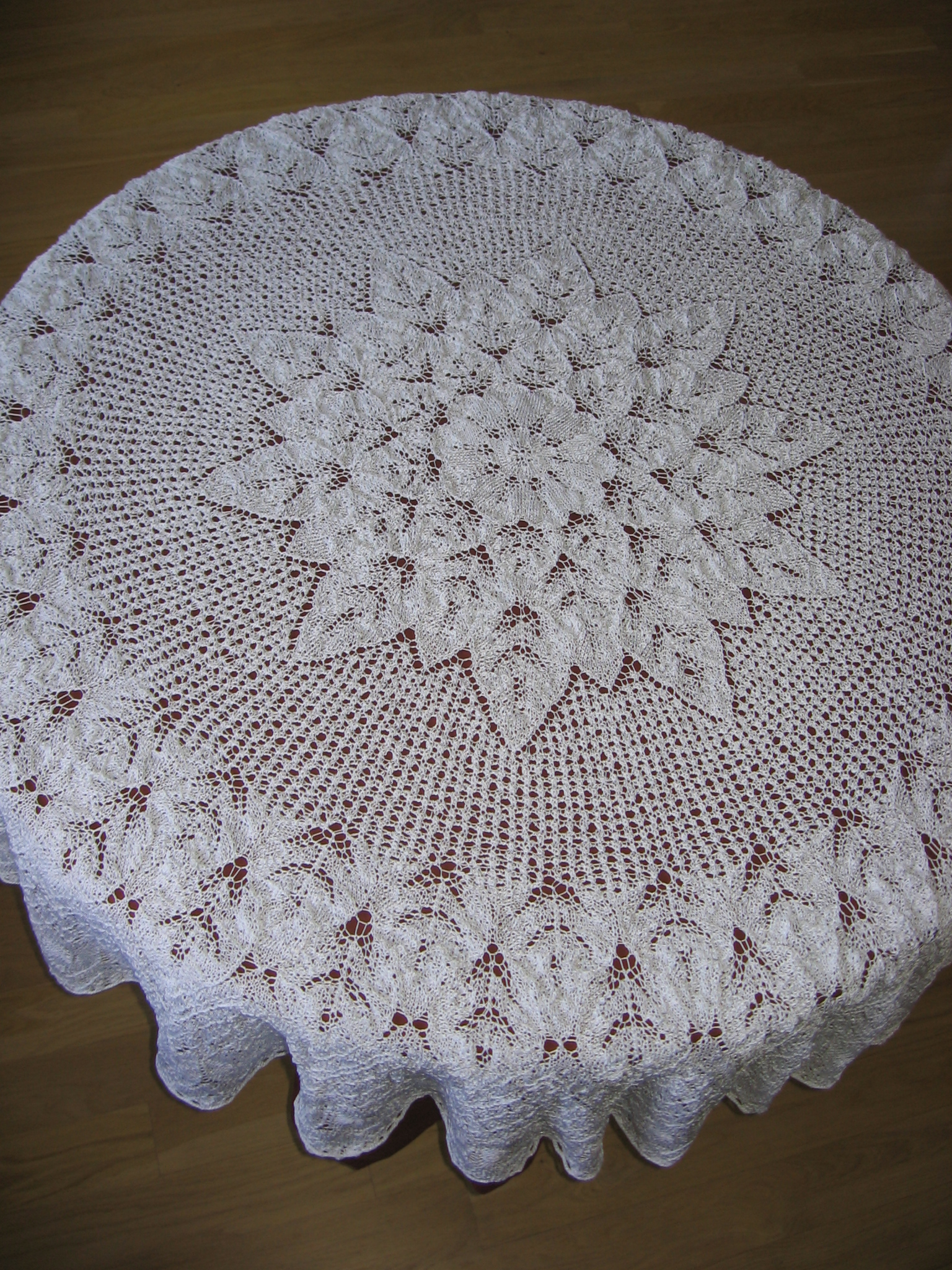 Knitting Chinese Knots Braid Theory