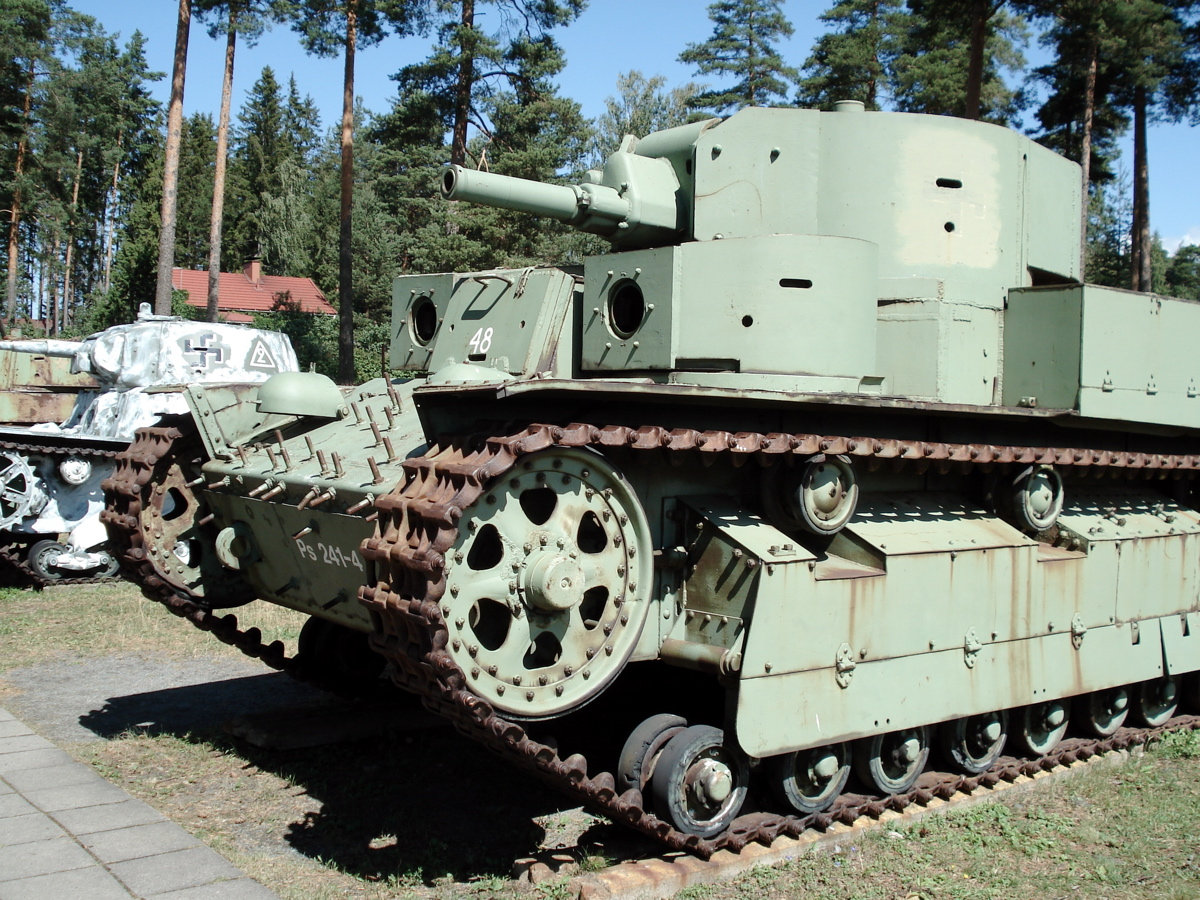 http://upload.wikimedia.org/wikipedia/commons/b/b1/T28_parola_4.jpg