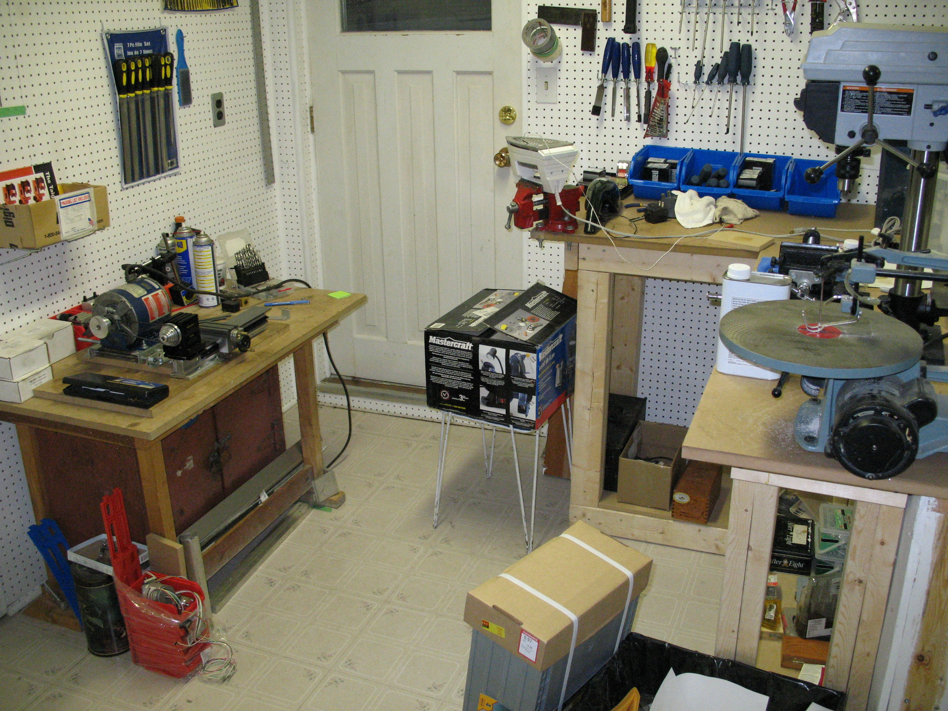 File:Taig metal lathe, Drill press and Workbench.jpg - Wikimedia ...