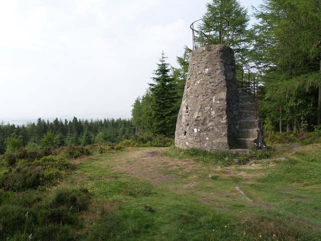 Tappie Tower on Tyrebagger Hill - geograph.org.uk - 476558