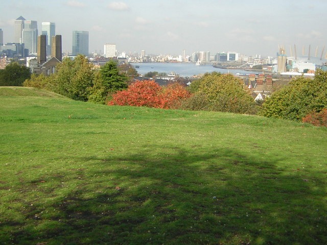 The Thames from Greenwich Park - geograph.org.uk - 1326481