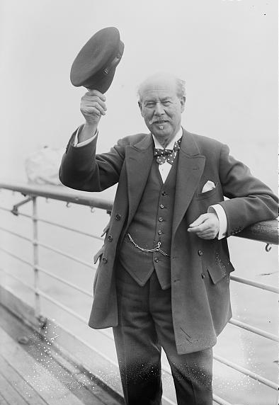 a photograph of sir thomas lipton