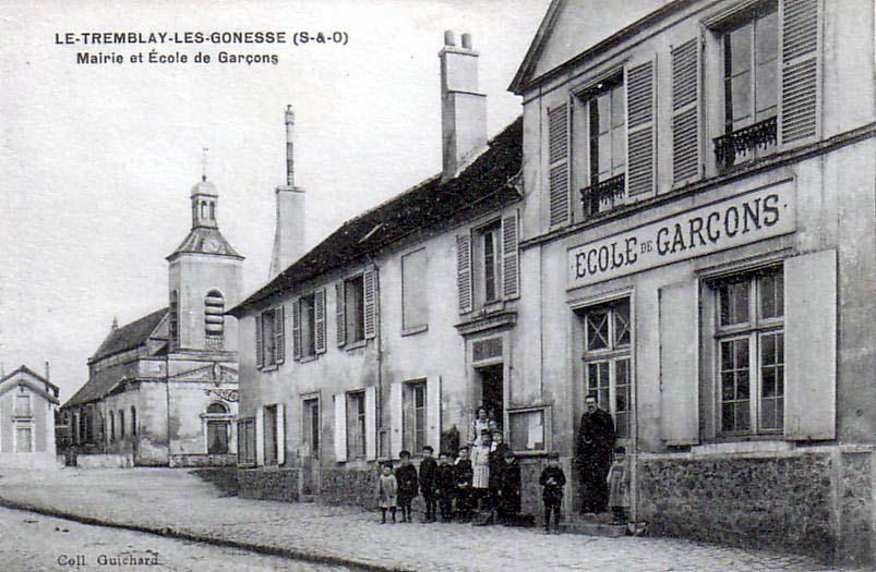 http://upload.wikimedia.org/wikipedia/commons/b/b1/Tremblay-les-Gonesse_-_Mairie_et_école_de_garçons.jpg