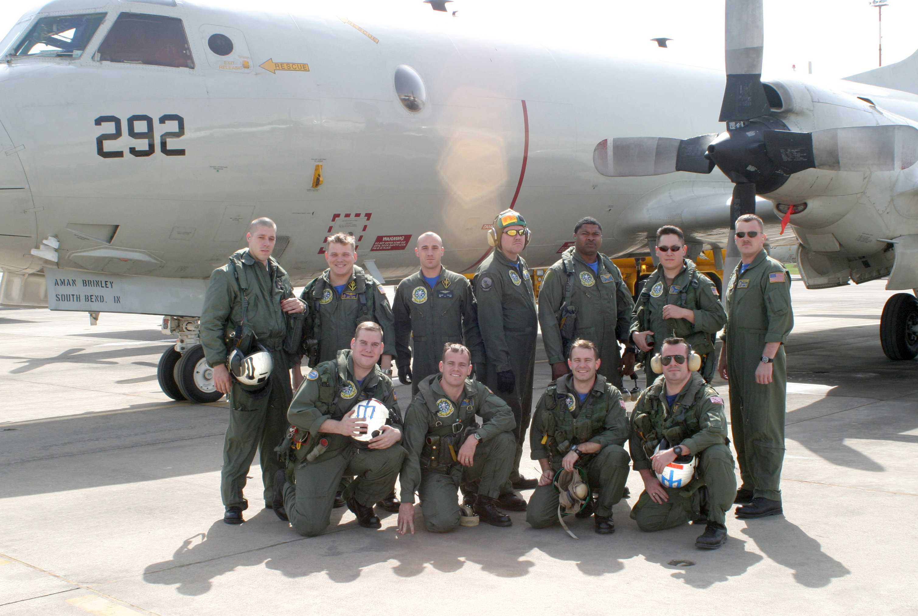 File:US Navy 040409-N-4179T-001 Combat Aircrew 4 assigned to ...