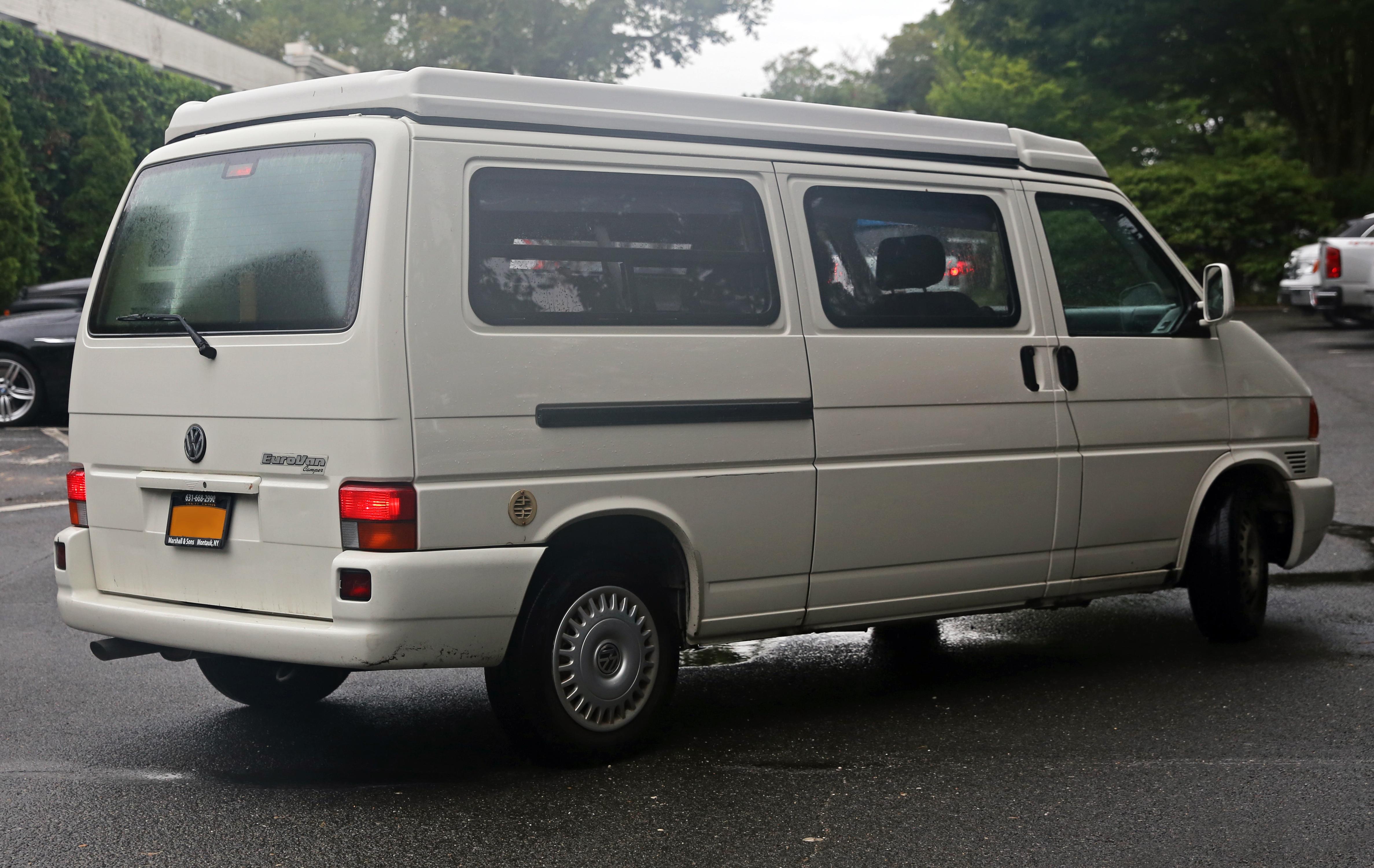 Vw Eurovan Camper >> File Volkswagen Eurovan Camper By Winnebago Rear Right Jpg